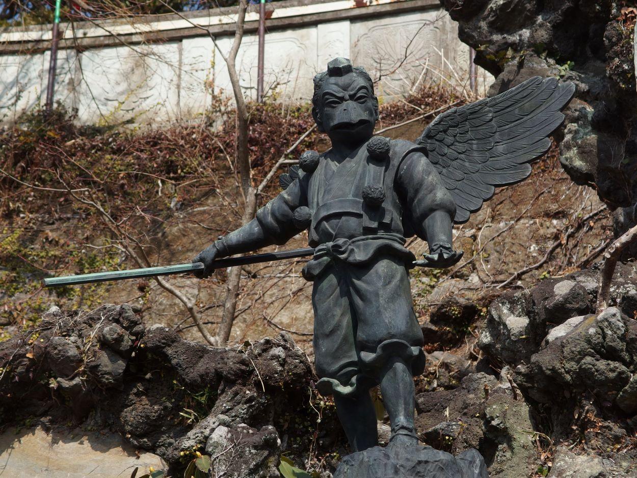 Tengu statue at Kenchoji Temple in Kamakura | Depiction | Tengu: A Creature from Japanese Folklore