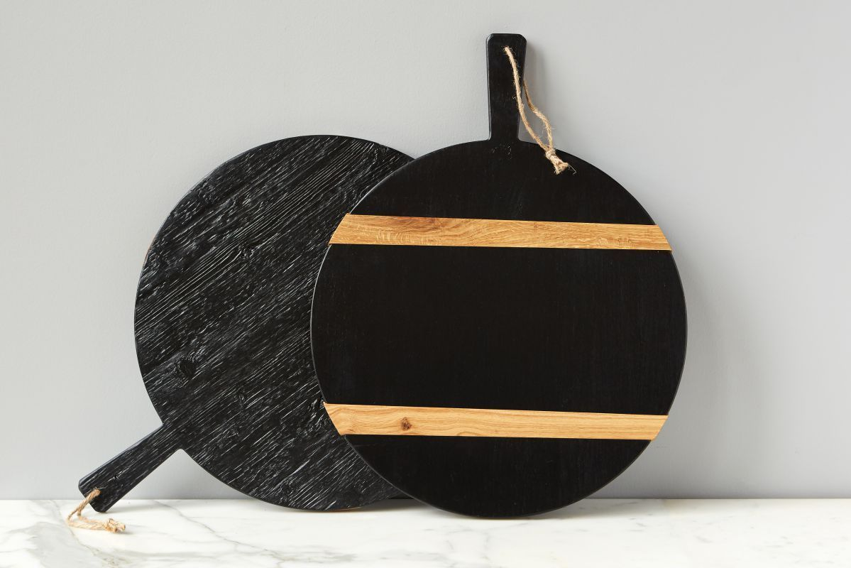 Black Round Mod Charcuterie Board