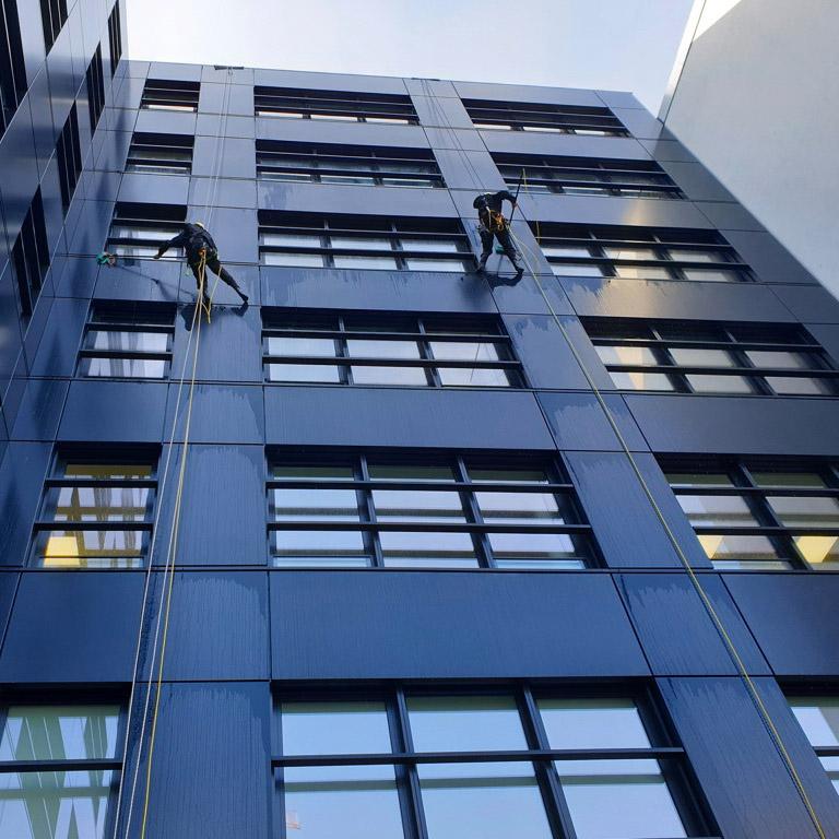 Fassadenreinigung Industriekletterer Hamburg