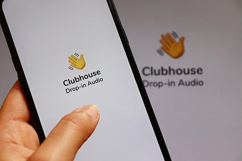 Clubhouse: il mondo in una stanza