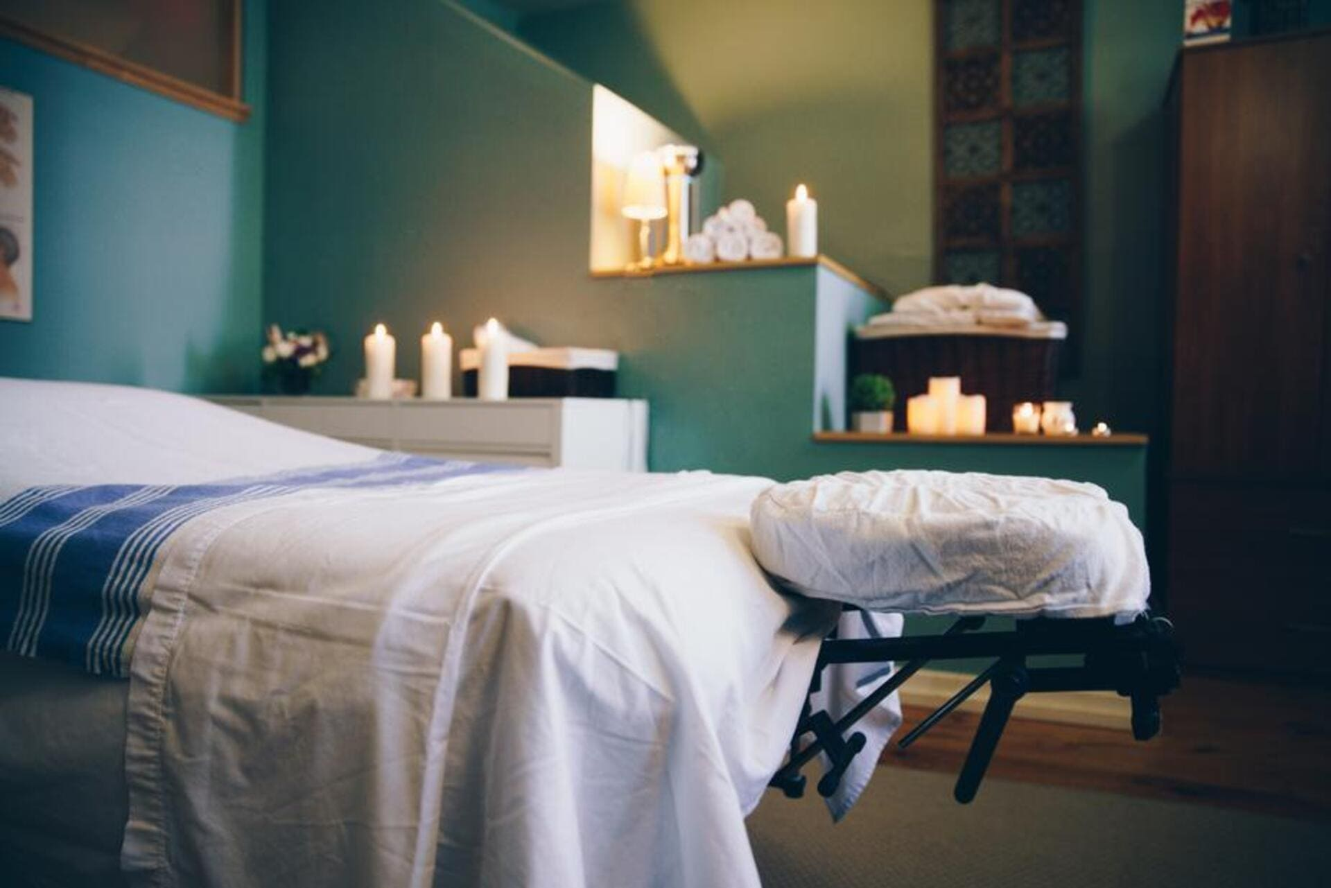 Stones on Body Massage Therapy School in The Woodlands