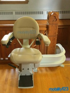 Curve-Stairlift-Church-08