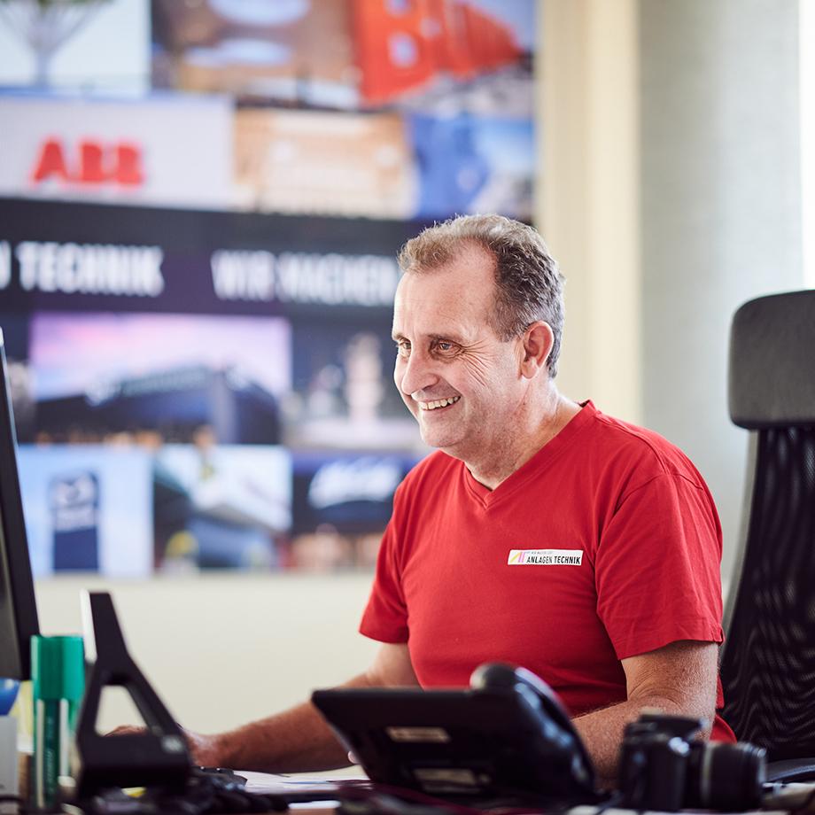Leiter der Montageabteilung und Montagekoordination