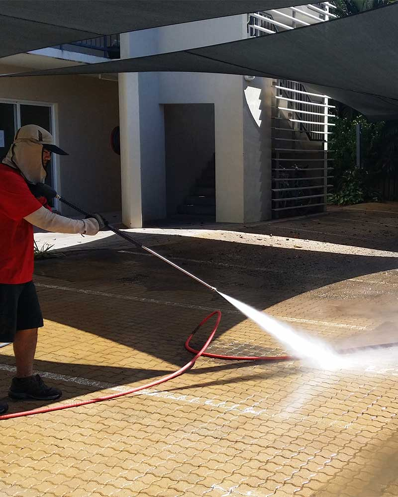Sports surface cleaning in Darwin