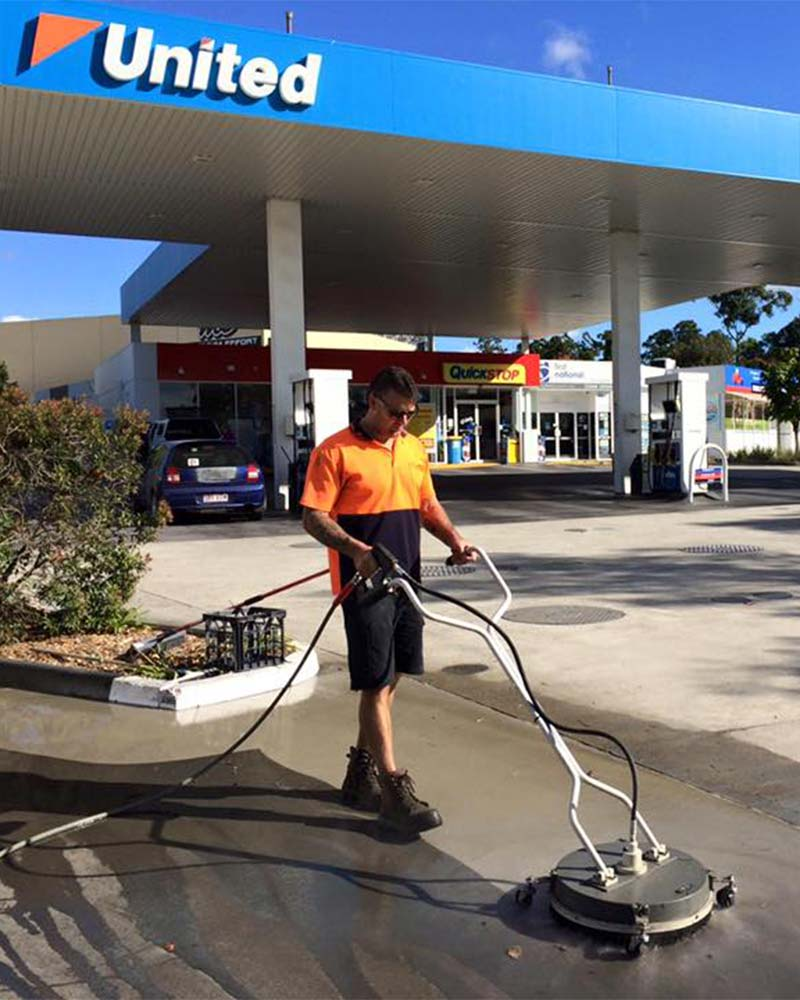 Petrol station pressure cleaning, Gold Coast