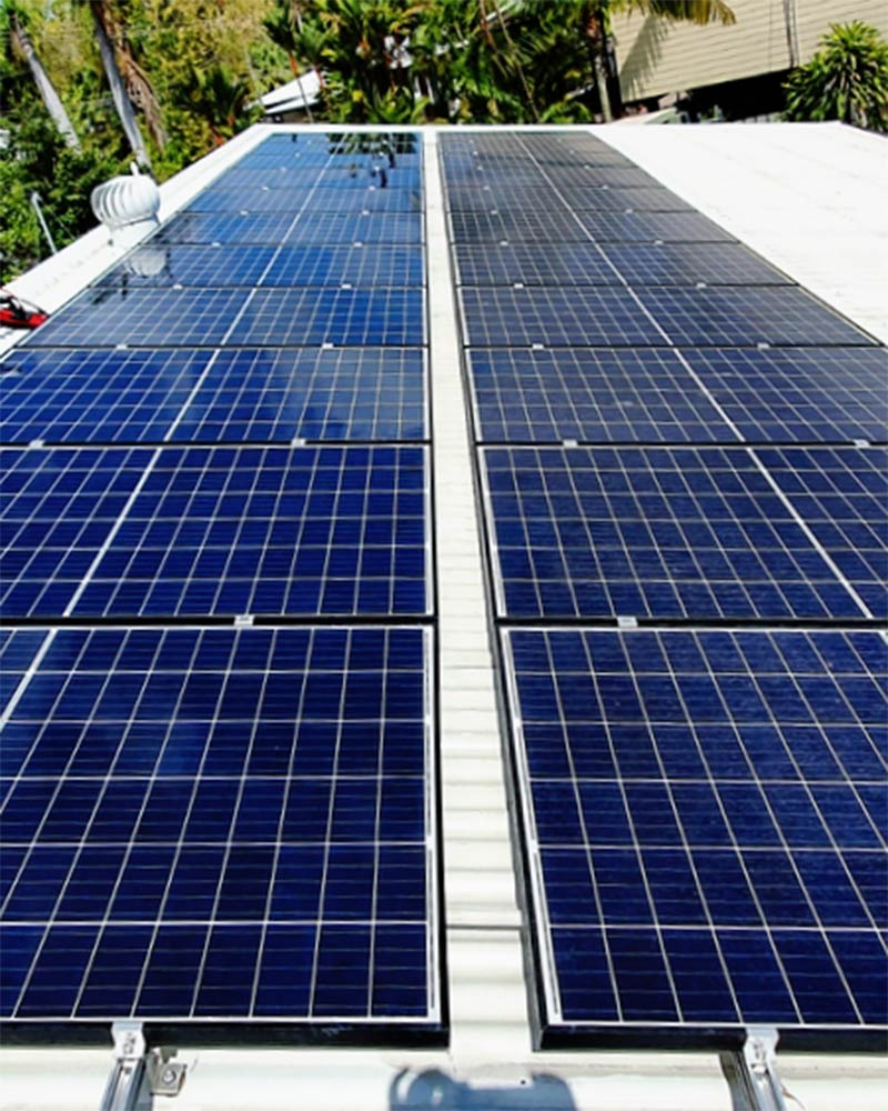 Solar panel cleaning in Darwin