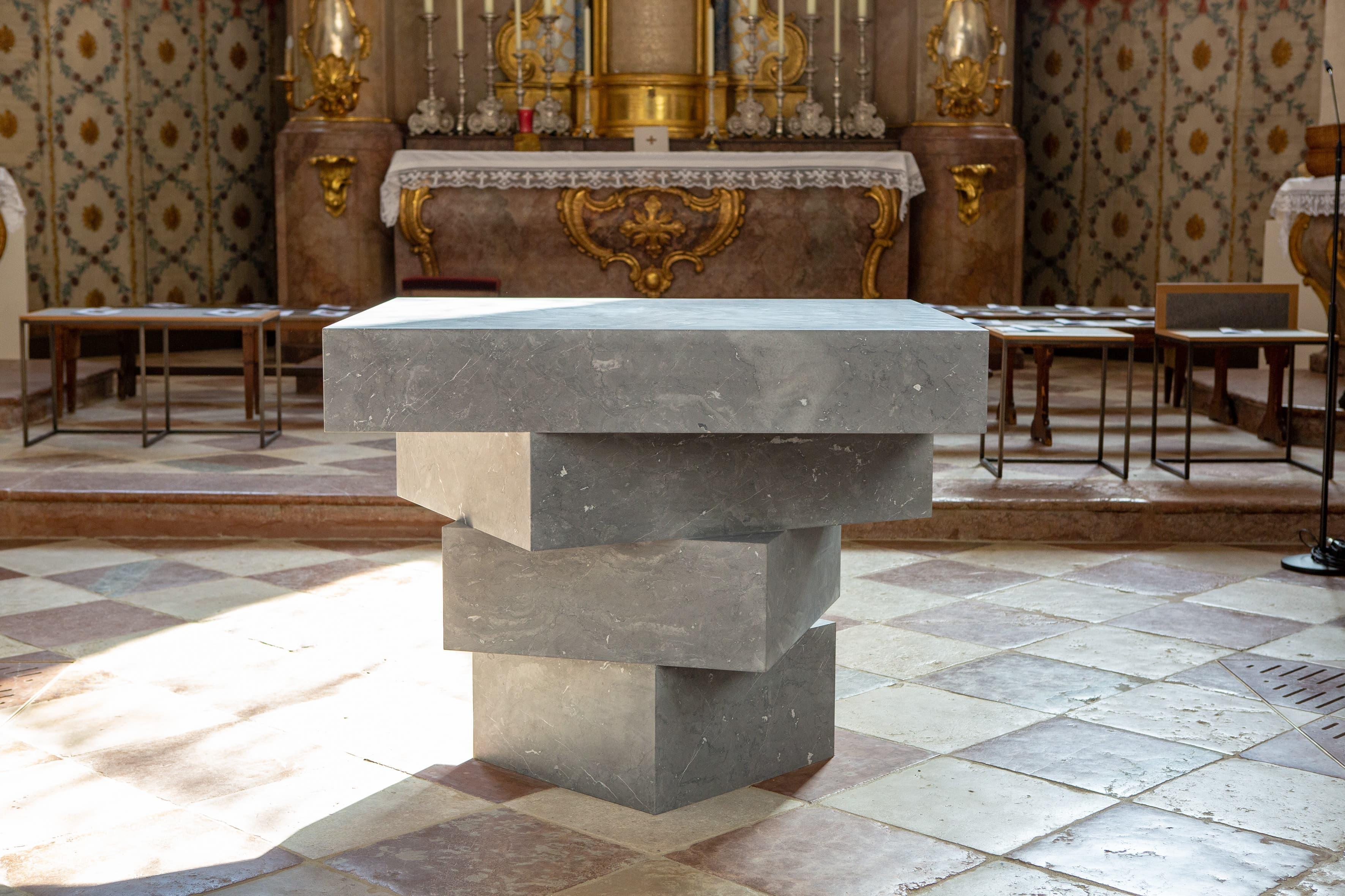Pfarrkirche Mariä Himmelfahrt Bad Aibling Altar groß