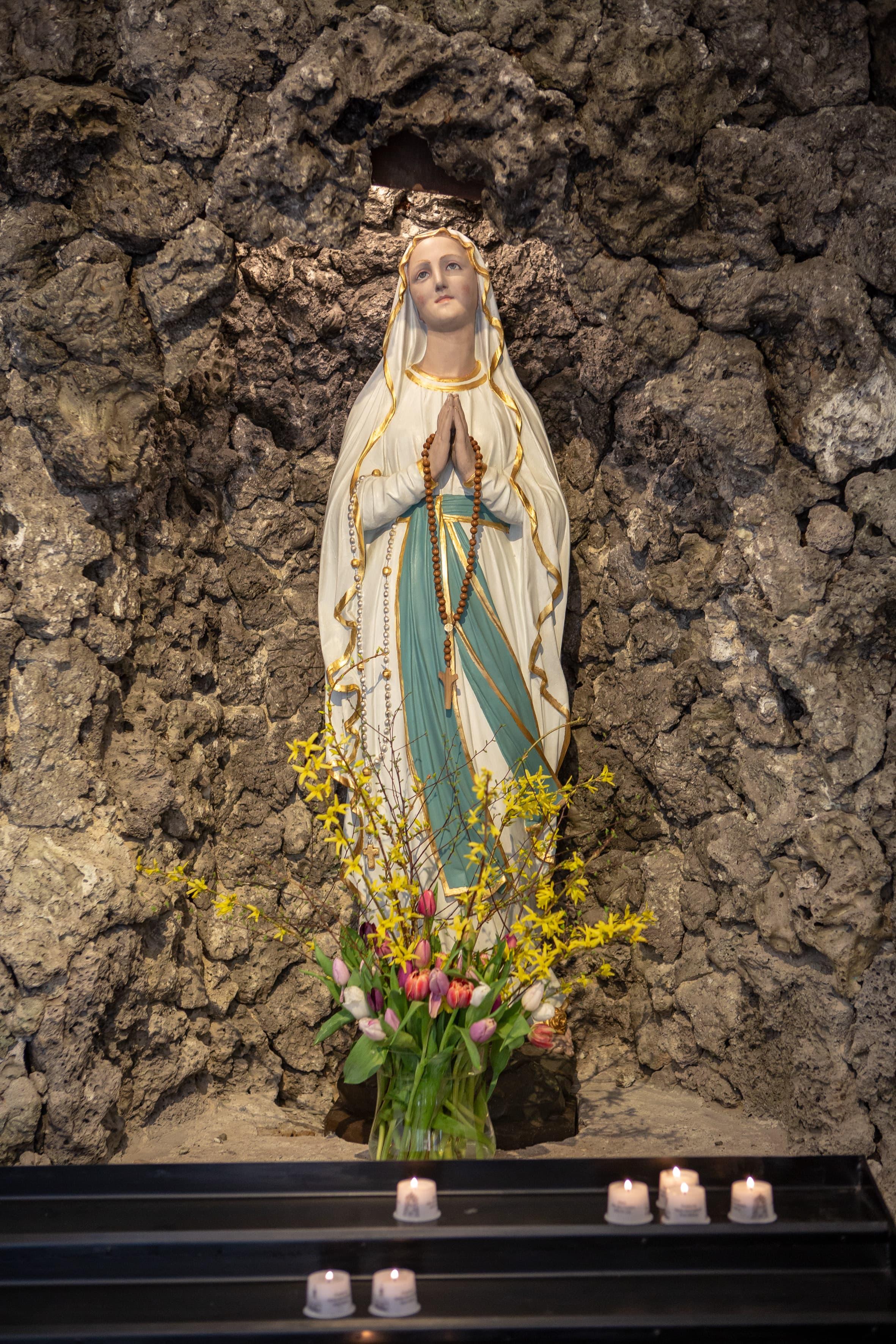Pfarrkirche Mariä Himmelfahrt Bad Aibling Statue