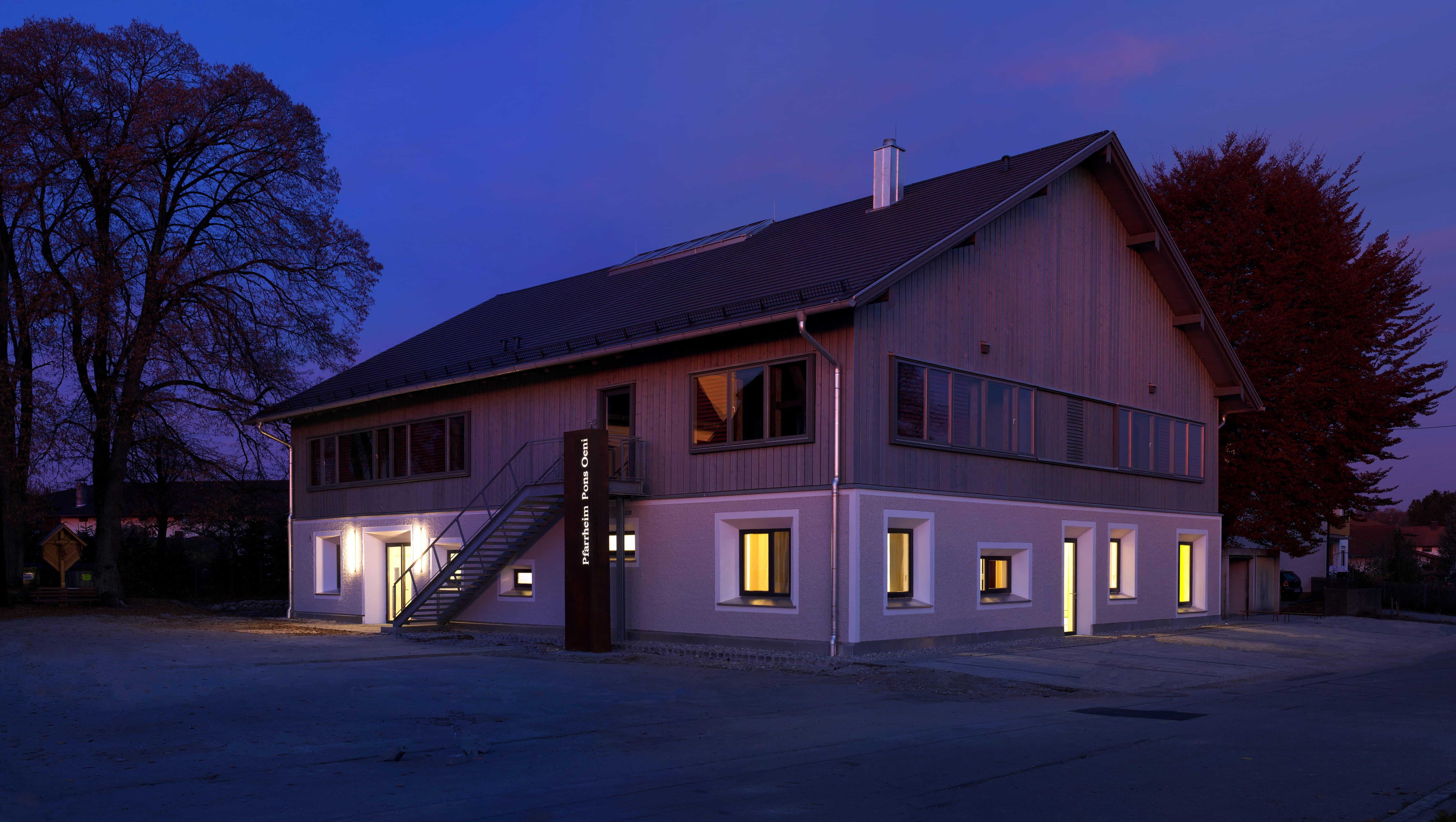 Pfarrheim St. Laurentius Aussen Nacht