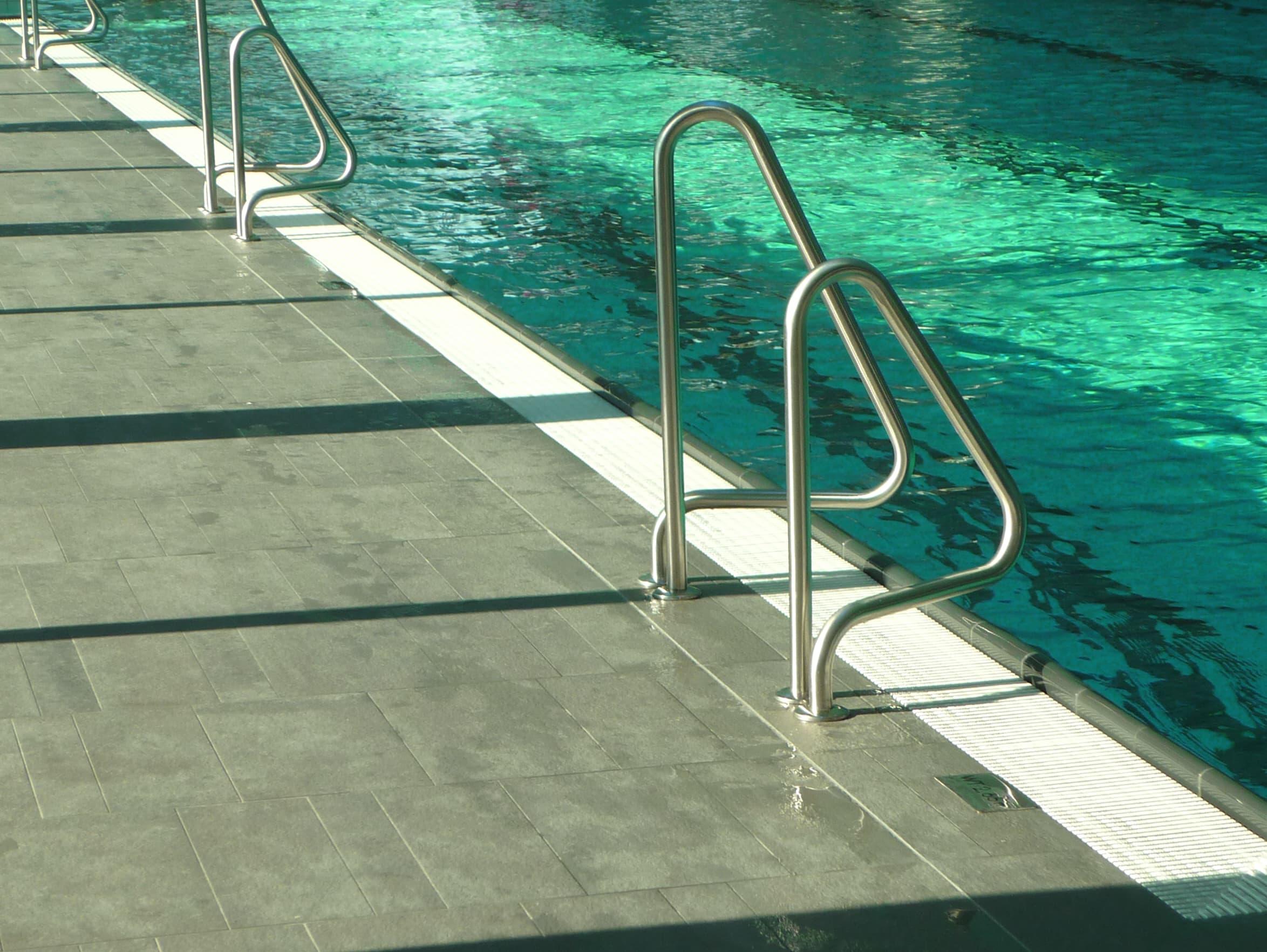 Schwimmbad Manching Innenbecken Detail