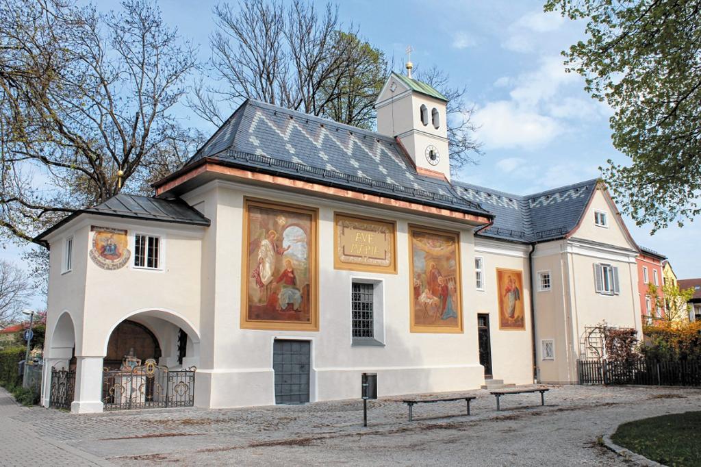 Loretokapelle und Benefiziatenhaus Aussenfassade