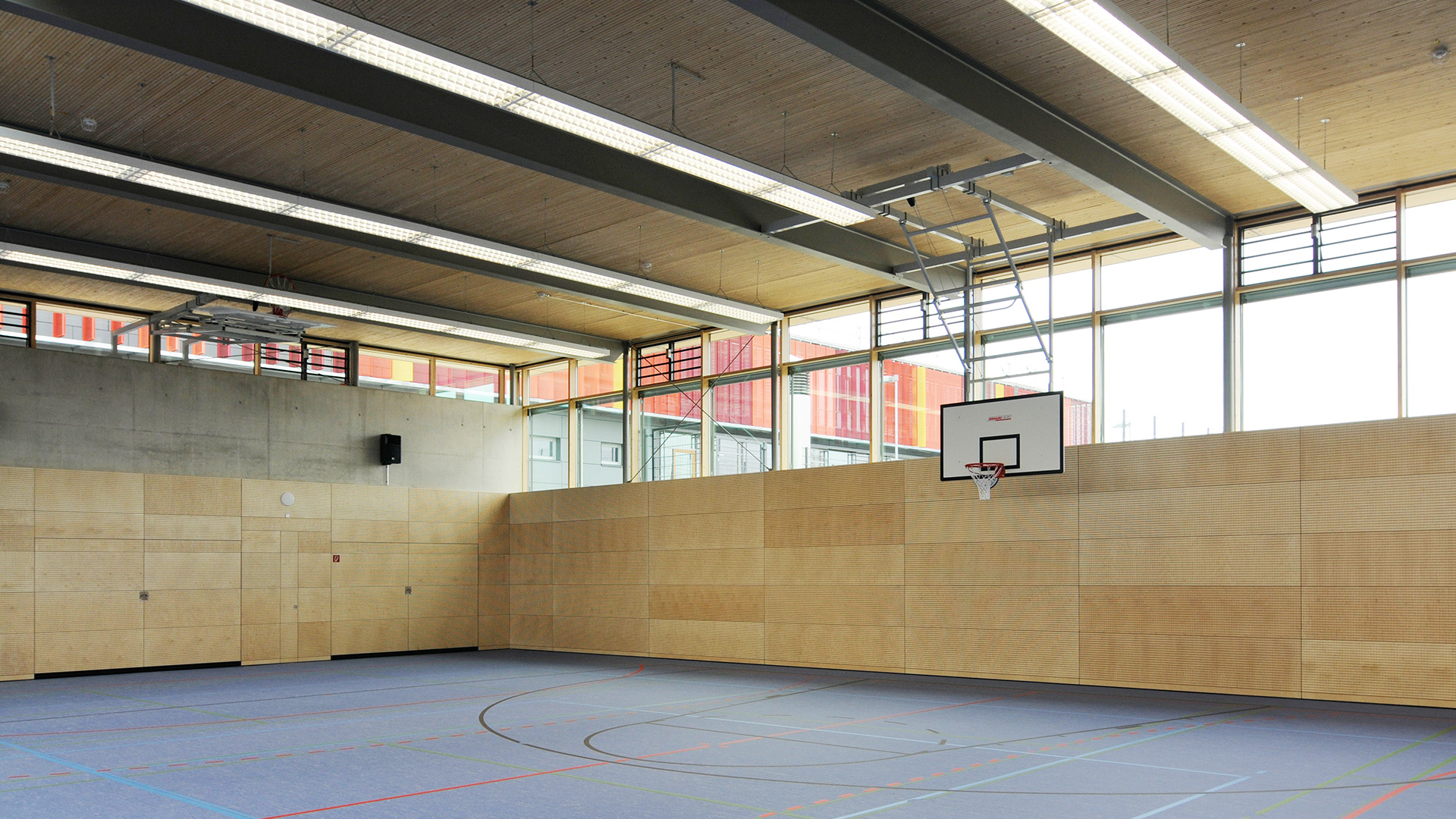 Sporthalle Neubiberg innen