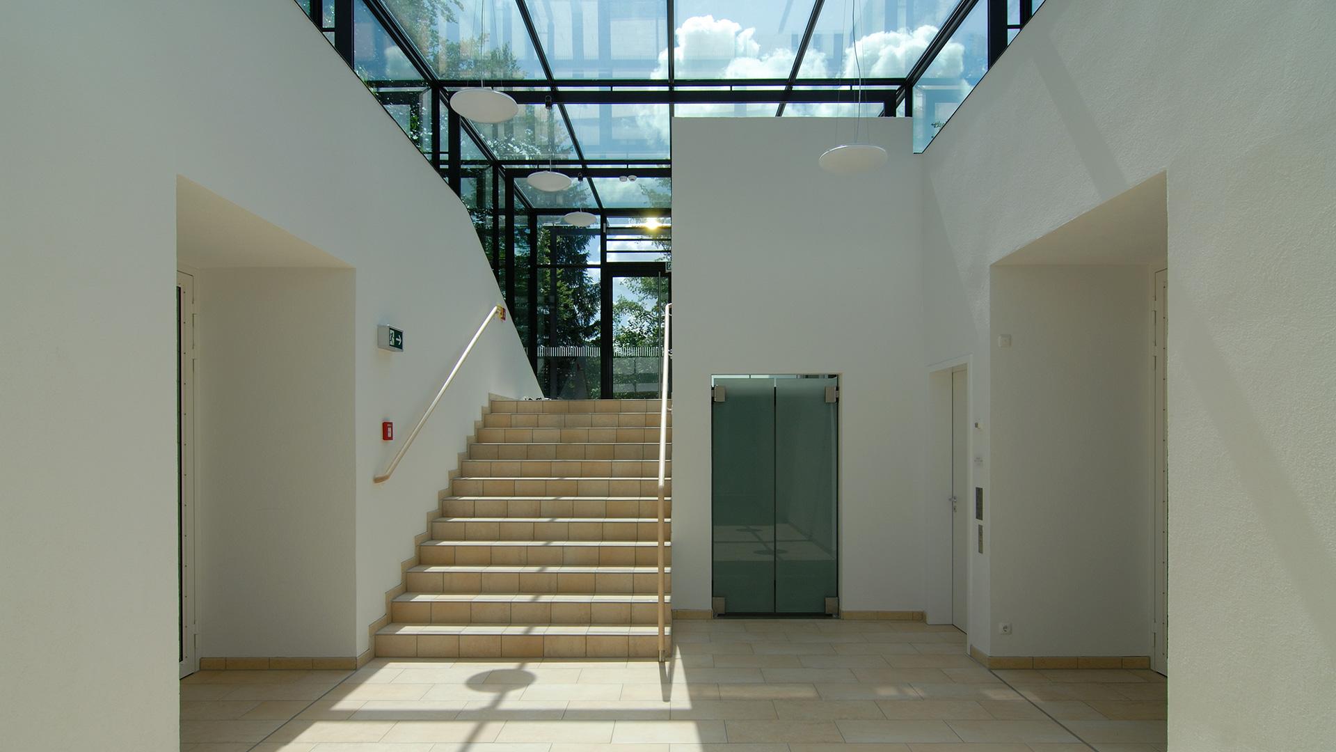 Sporthalle Icking Treppe