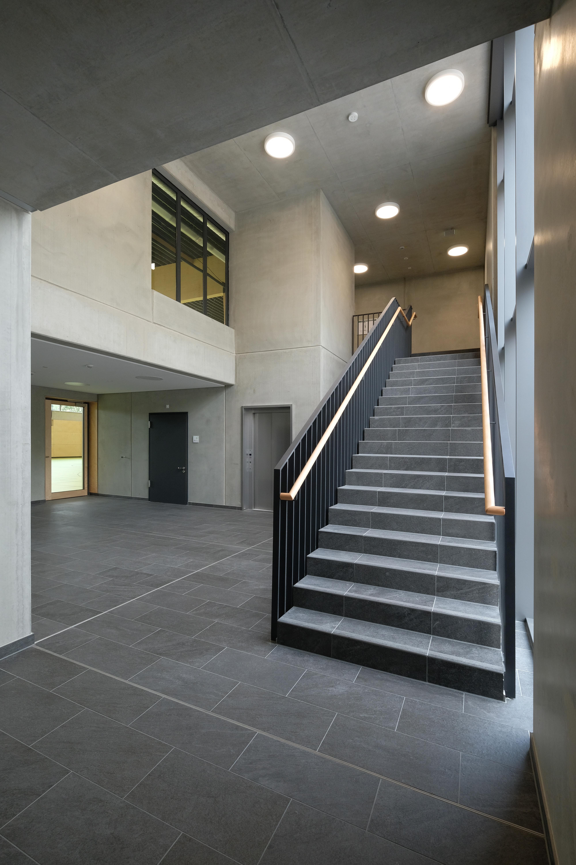 Sporthalle Karlskron Treppe