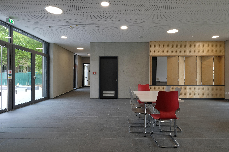 Sporthalle Karlskron Eingangsbereich