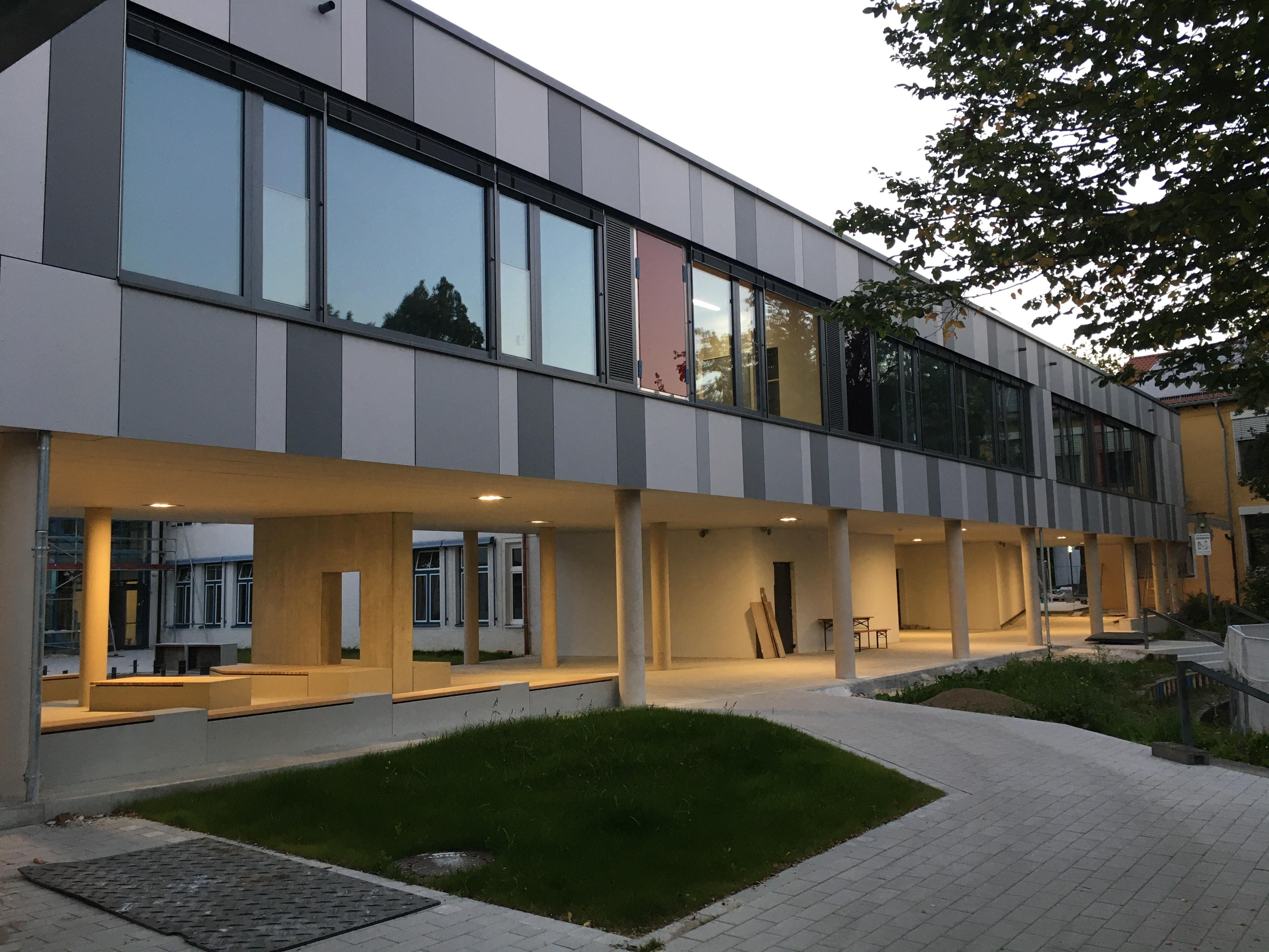 Aussen Grundschule Dieselstraße Waldkraiburg