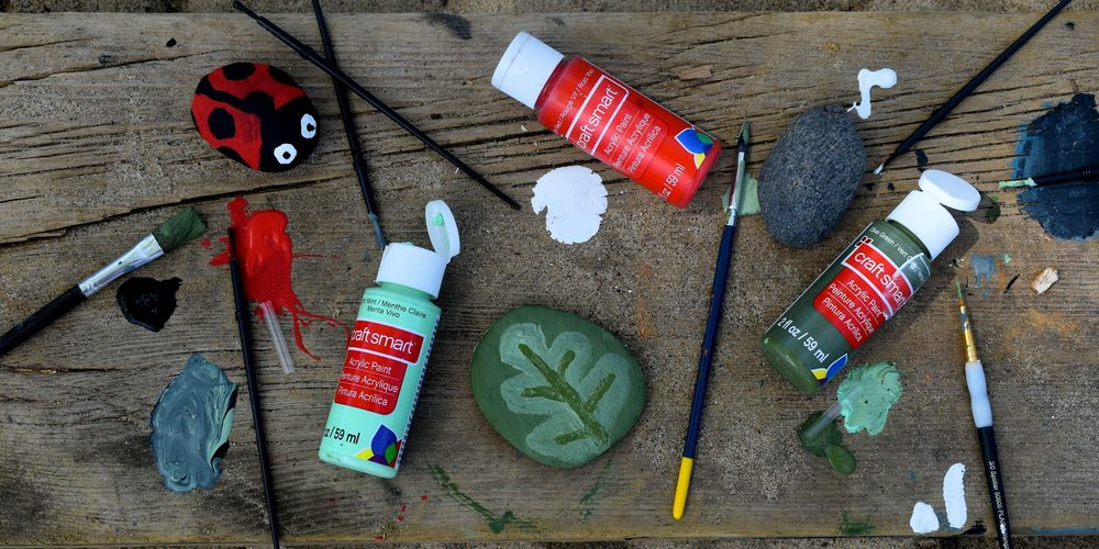 Host a virtual arts and crafts class led by a local artist for school fundraising