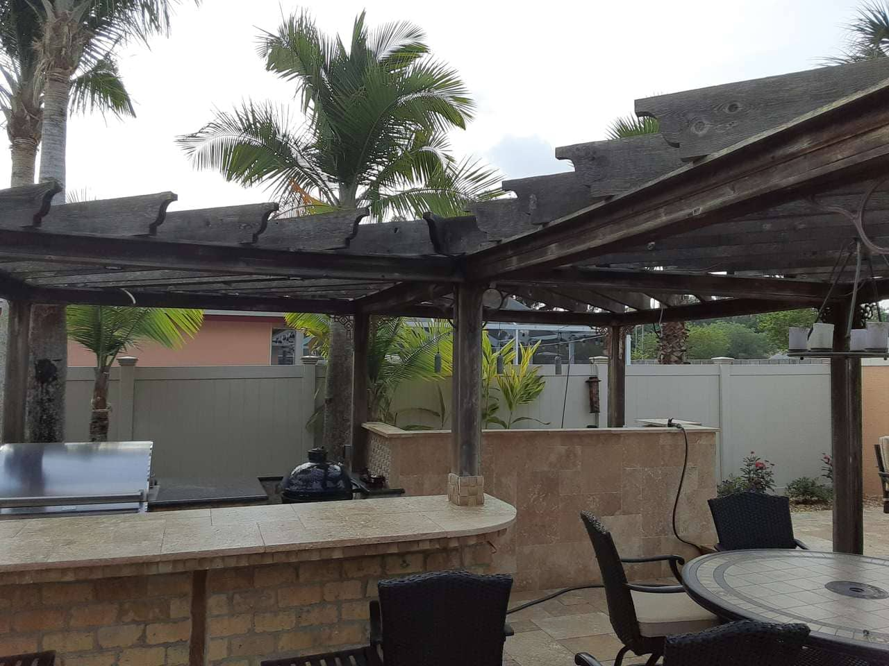 bar befor image Roof Cleaning in Wesley Chapel