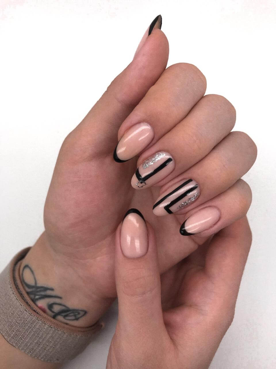 Elegant gel nails