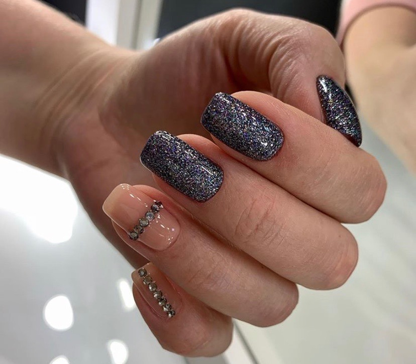 Simple Nail Design with Glitter