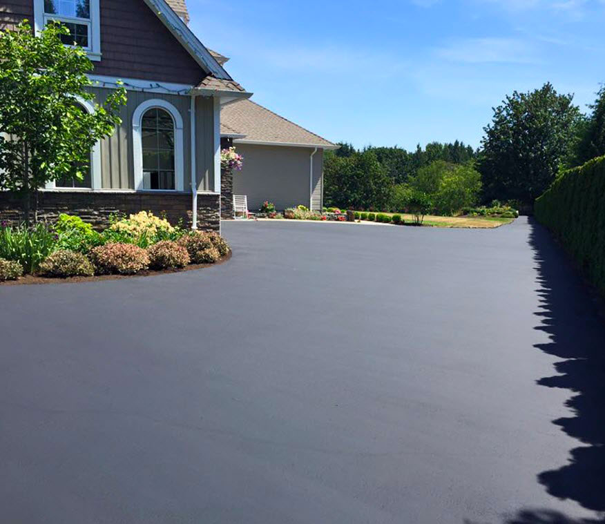 A seal coating on a driveway in Golden Horseshoe, ON.
