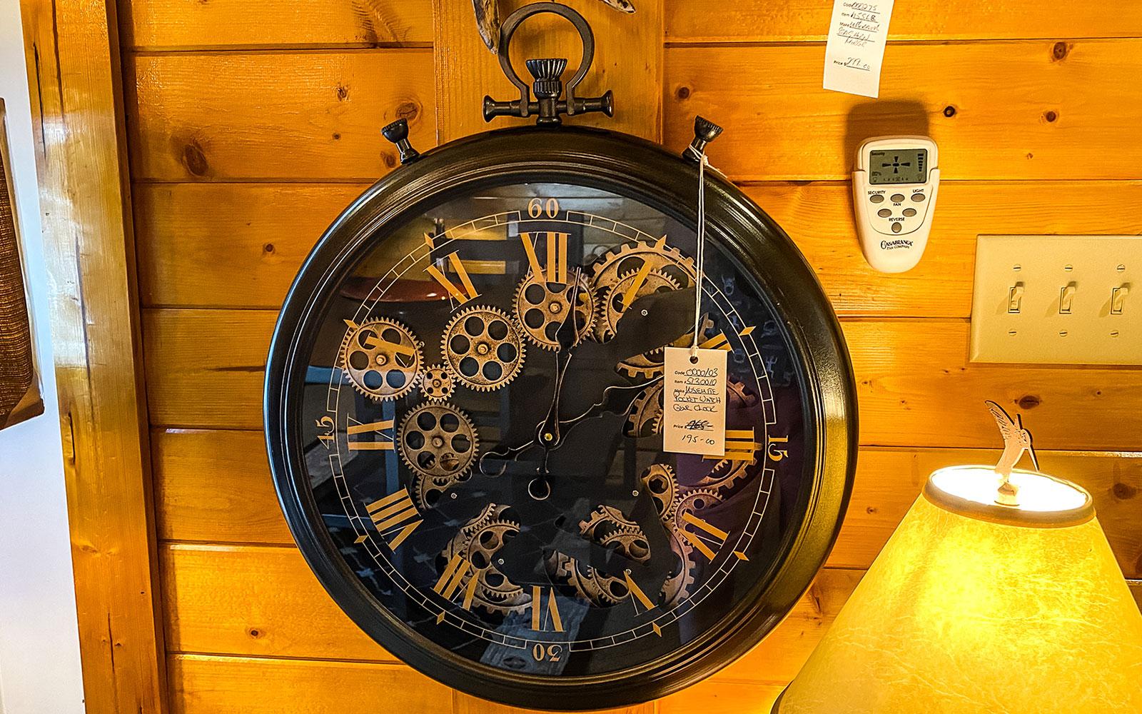 Graeagle Lighting Clock