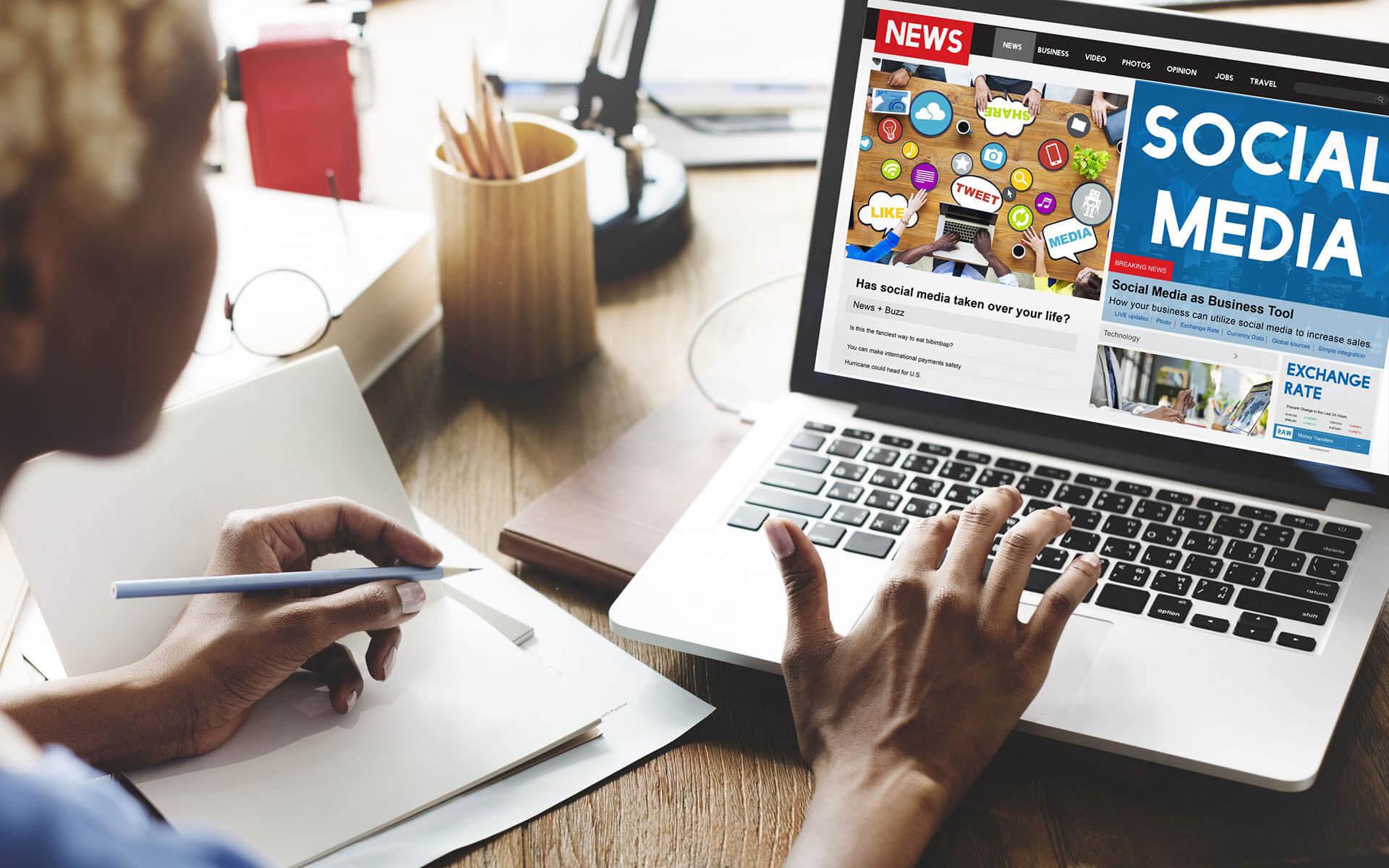 10 Social Media Academic Advertising Summaries