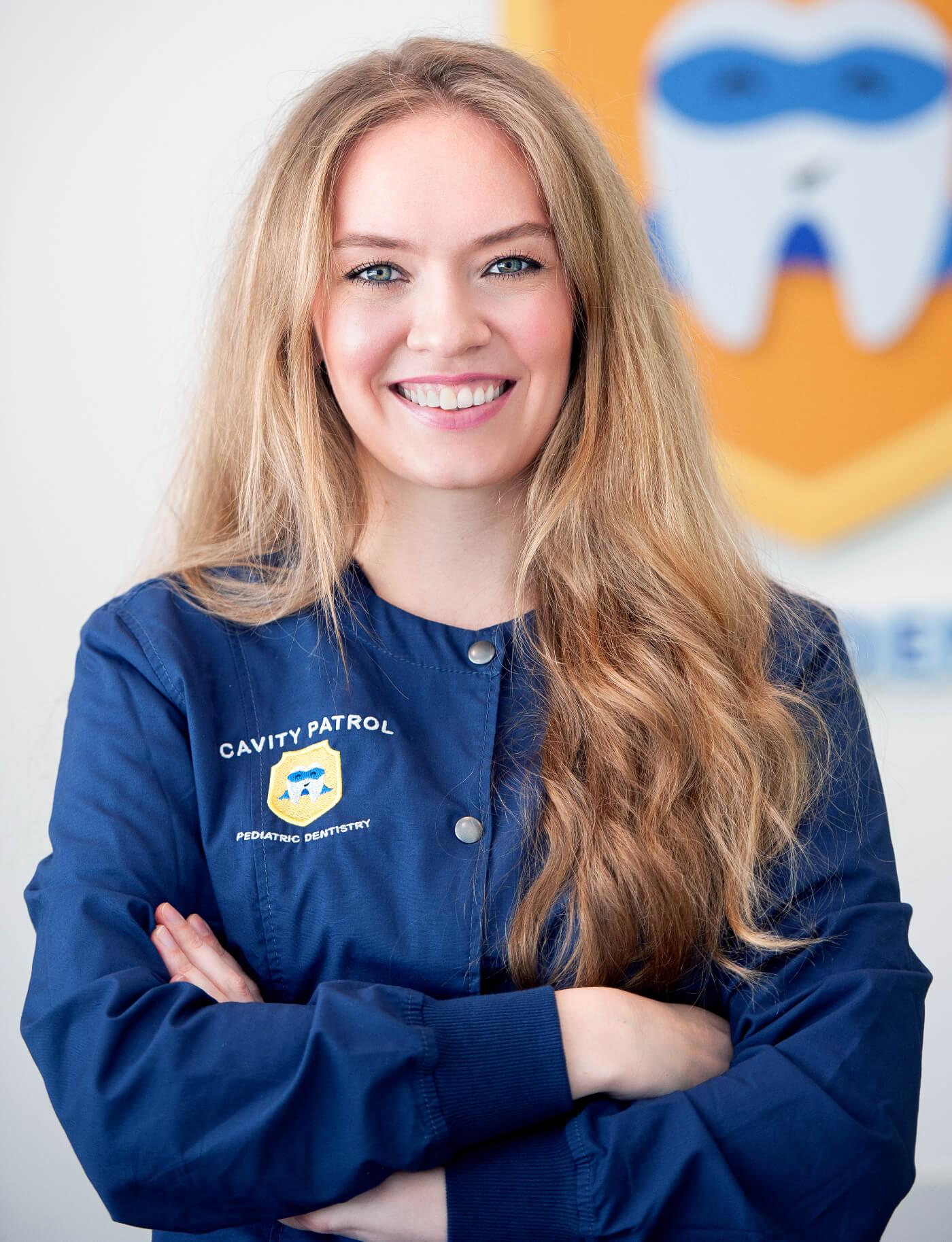 Dr. Julia Servetnik
