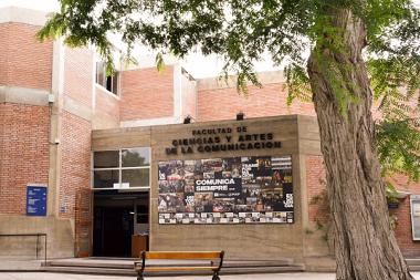 Facultad de Ciencias y Artes de la Comunicación