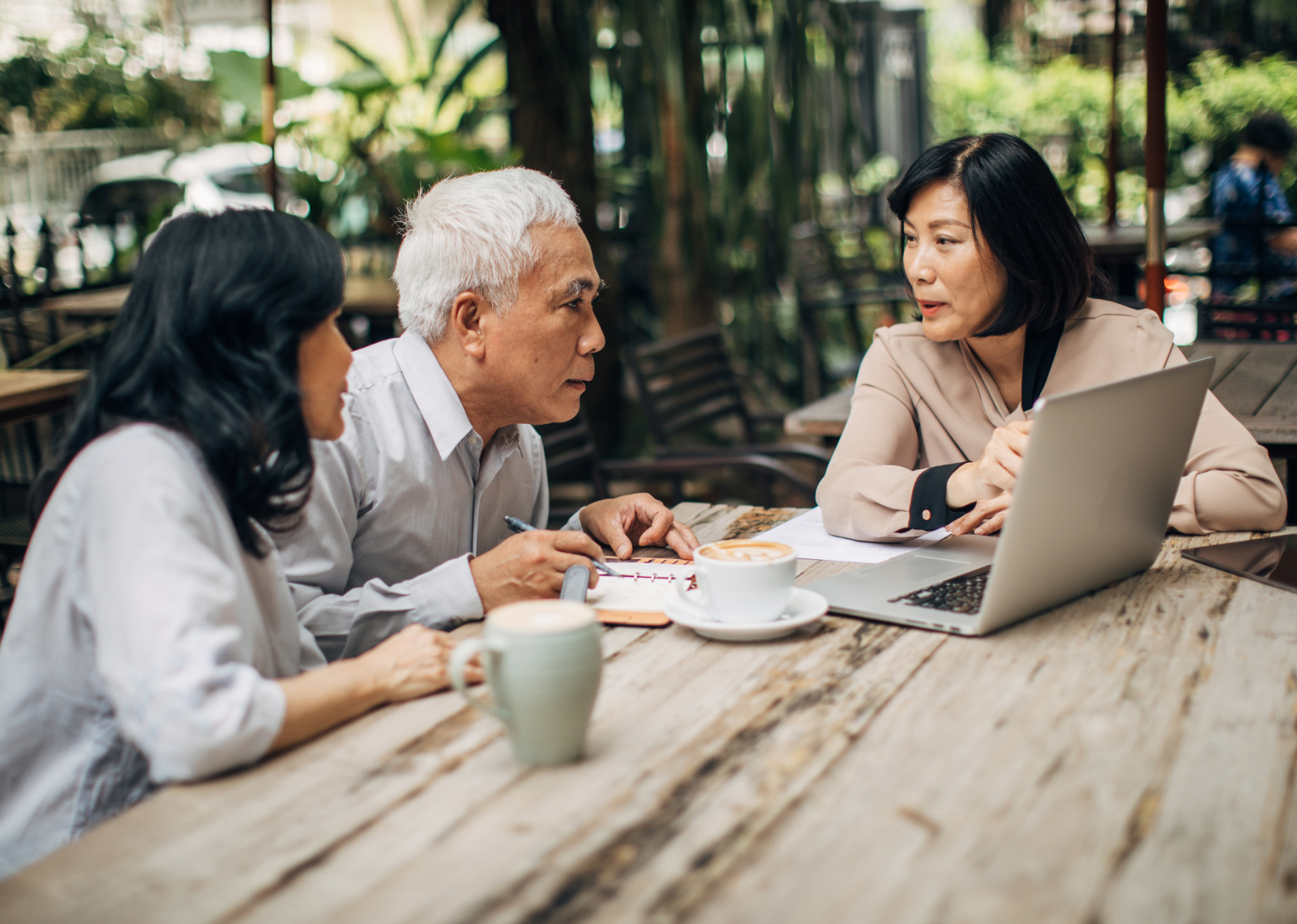 How to Help Your Parents Hire a Financial Advisor