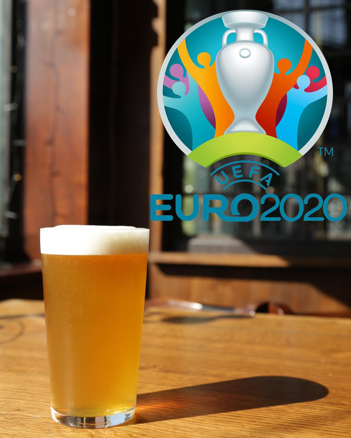 ⚽️THE EUROS!!⚽️  We've had to wait an extra year but the euros have finally arrived! We'll be showing all the England games with full sound around the pub and opening up our 1st floor bar so everyone can come and enjoy the game!   Good friends, good food, cold pints and a summer of football, what more could you want?   Head to our website to book a table ahead of game day!    #euros #euros2021 #football #thealpaca #islington #islingtonlife #angel #essexroad #supportlocal #pub #pints #london #londonpubs #pubsoflondon #beer #goodnessbeer #craft #ipa