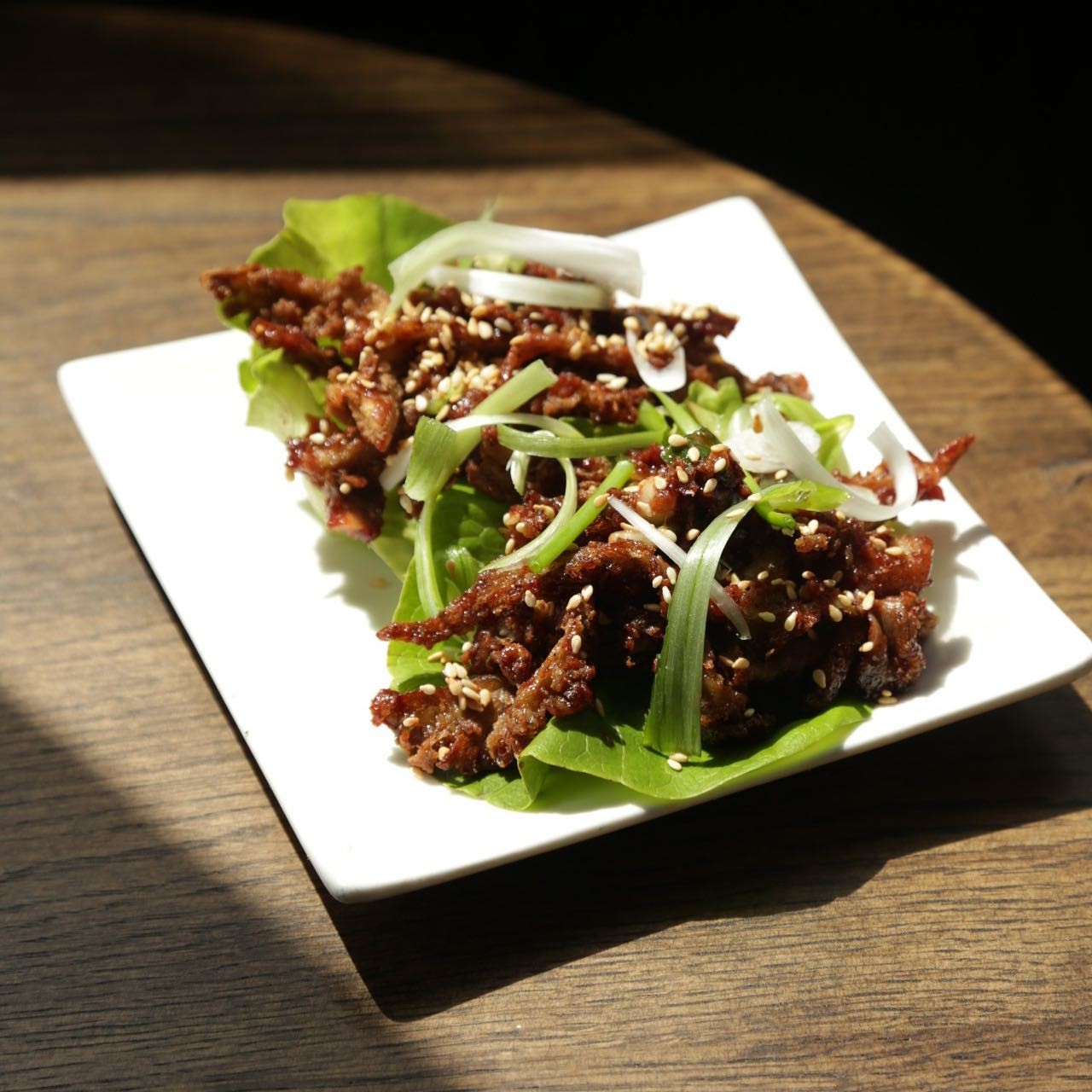 🌱Vegan🌱  A new addition to our small plates selection! Crispy Chinese oyster mushrooms in hoisin sauce served with sesame and cucumber in a gem lettuce cup! 🍄🥬   #thealpaca #islington #angel #essexroad  #supportlocal #pub #pints #london #londonpubs #pubsoflondon #beer #craftbeer #chinesefood #vegan #veganfood #pubfood #food #foodie #instafood #veganlife #mushrooms