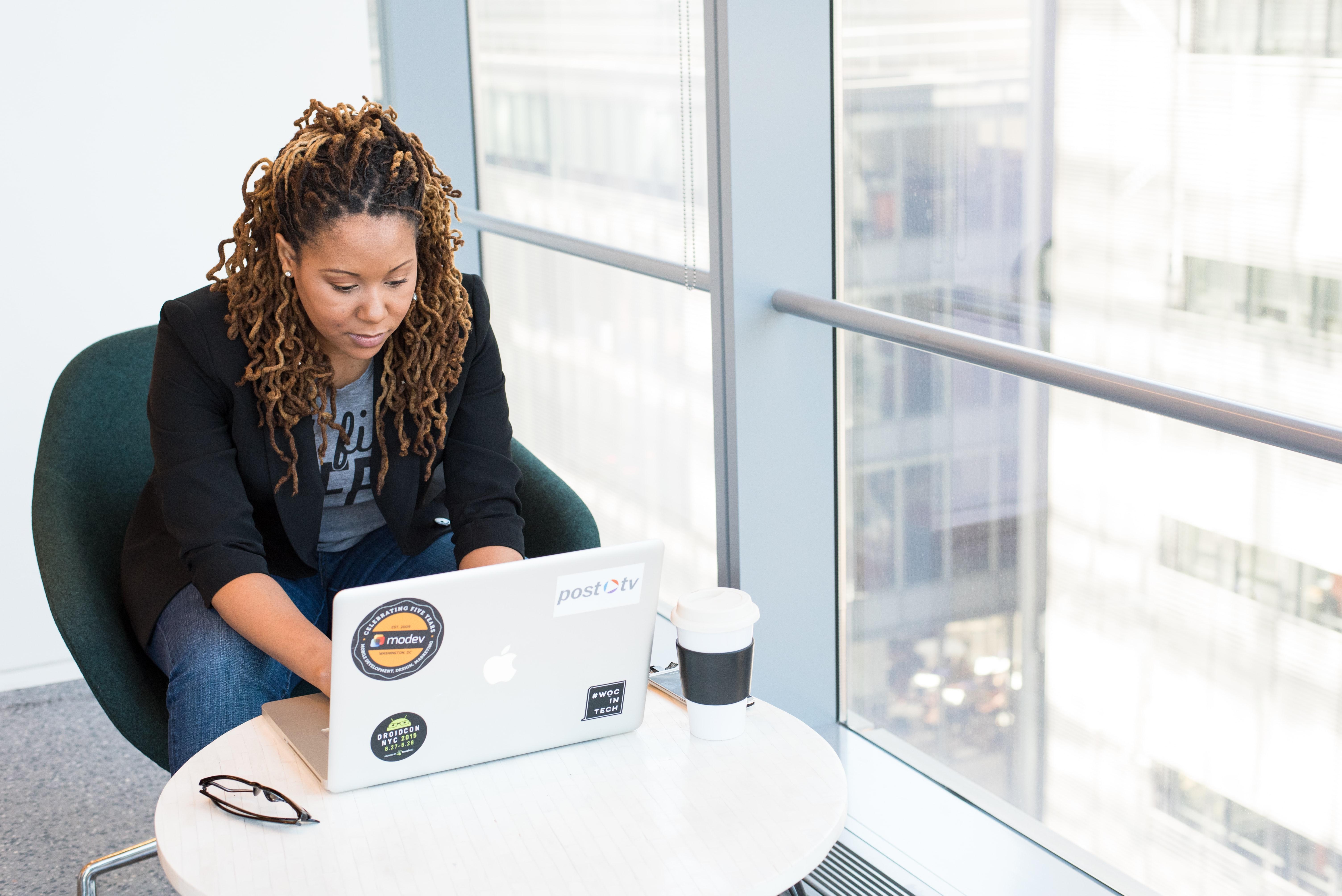 How Online Branding Tools Can Help New Entrepreneurs Succeed