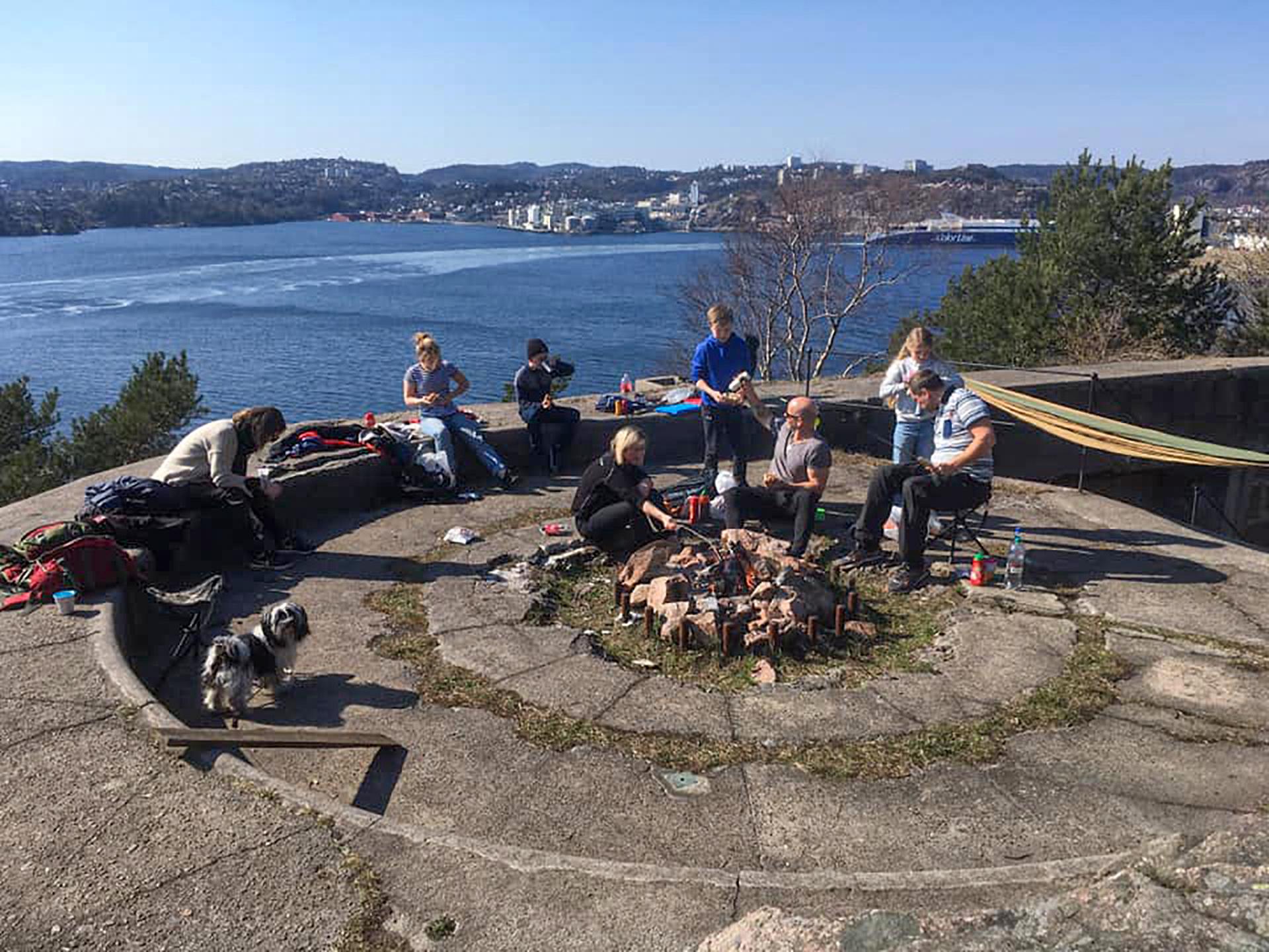 En hjemgruppe på tur til Odderøya.