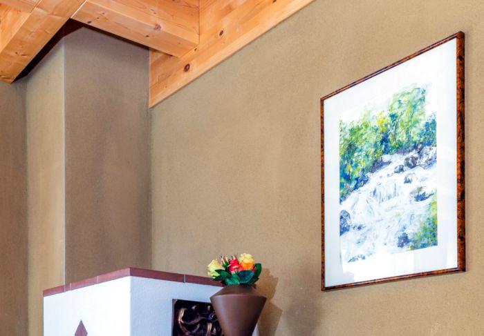 Wohnzimmer eines fertigen HolzLehmMassivhauses