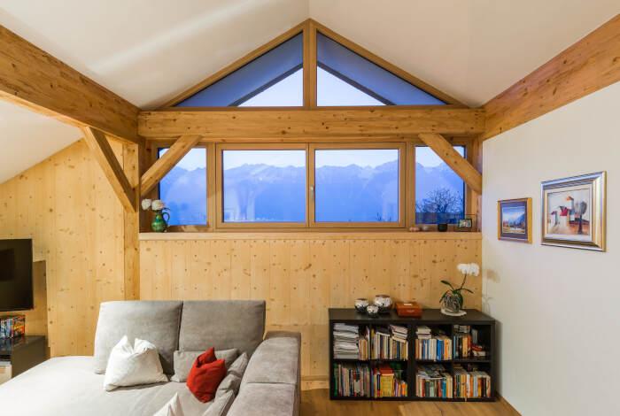 Schlafzimmer eines fertigen HolzLehmMassivhauses