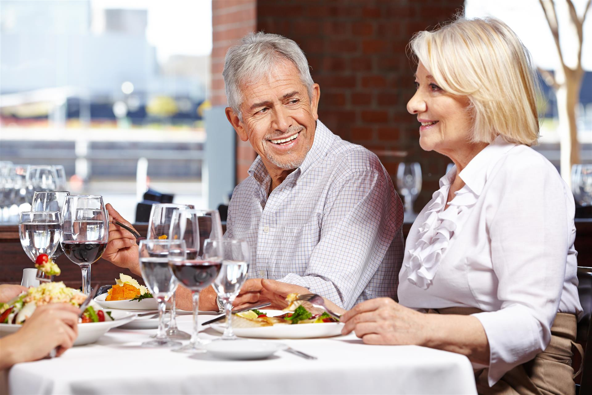 Three Ways To Get The Best Senior Discounts At Restaurants