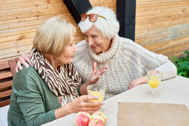 7 Ways Seniors Can Connect with New People