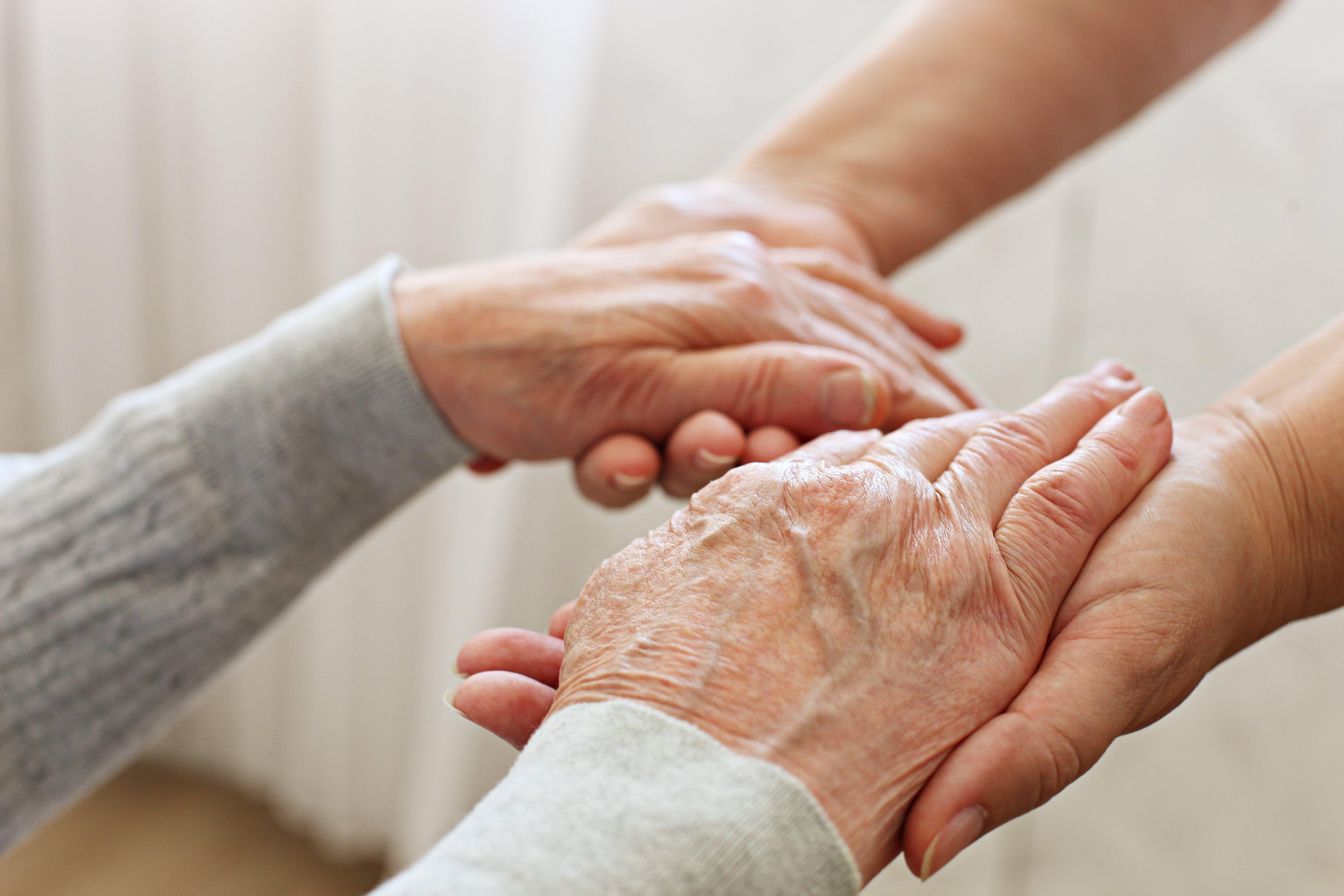 8 Skin Care Tips for Seniors