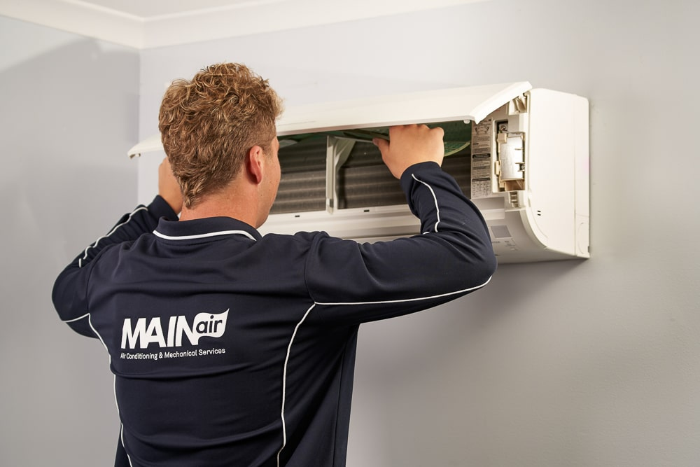 Air conditioning maintenance, reapiars and servicing Adelaide
