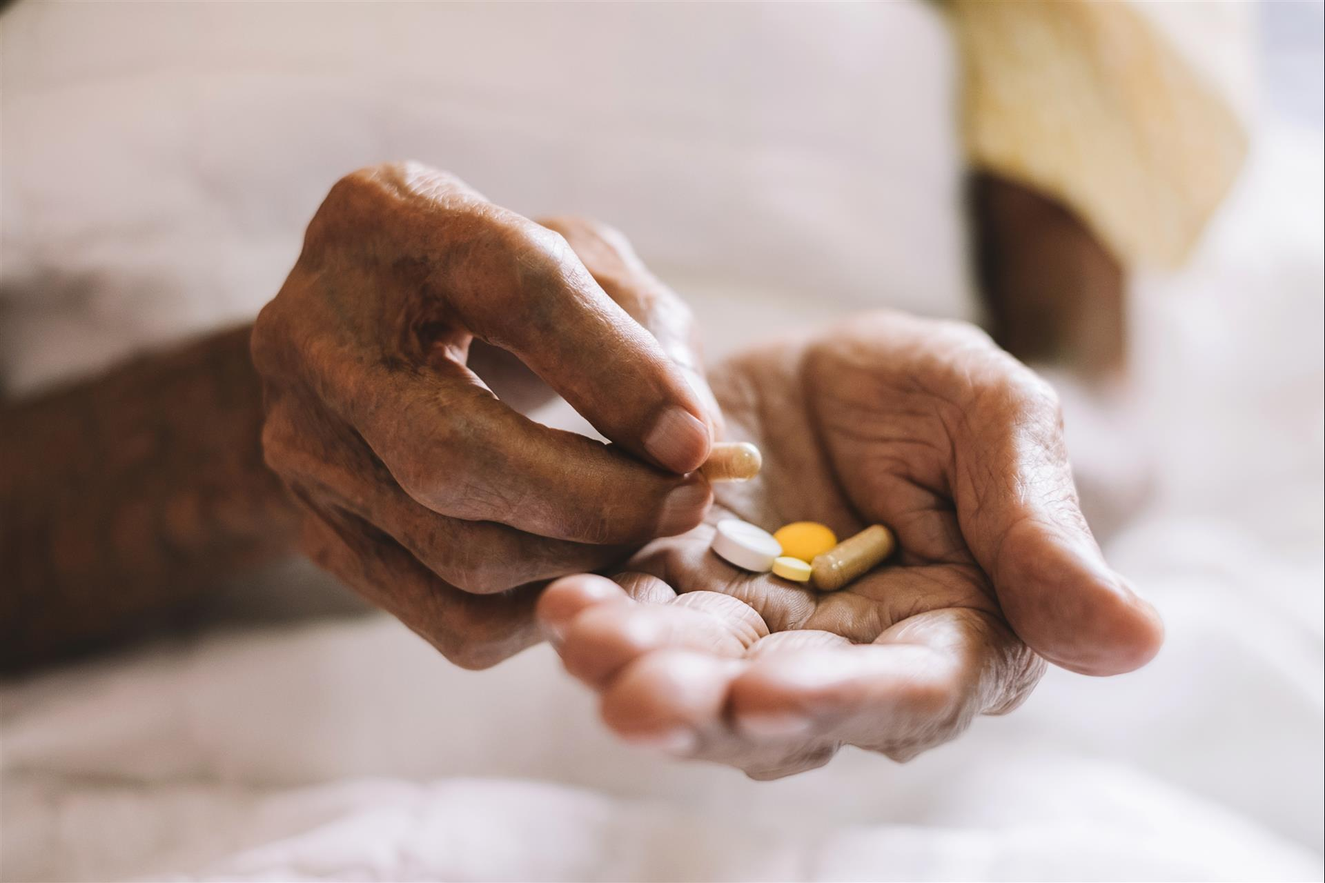 Paying for Medications: Tips for Seniors in Assisted Living Communities