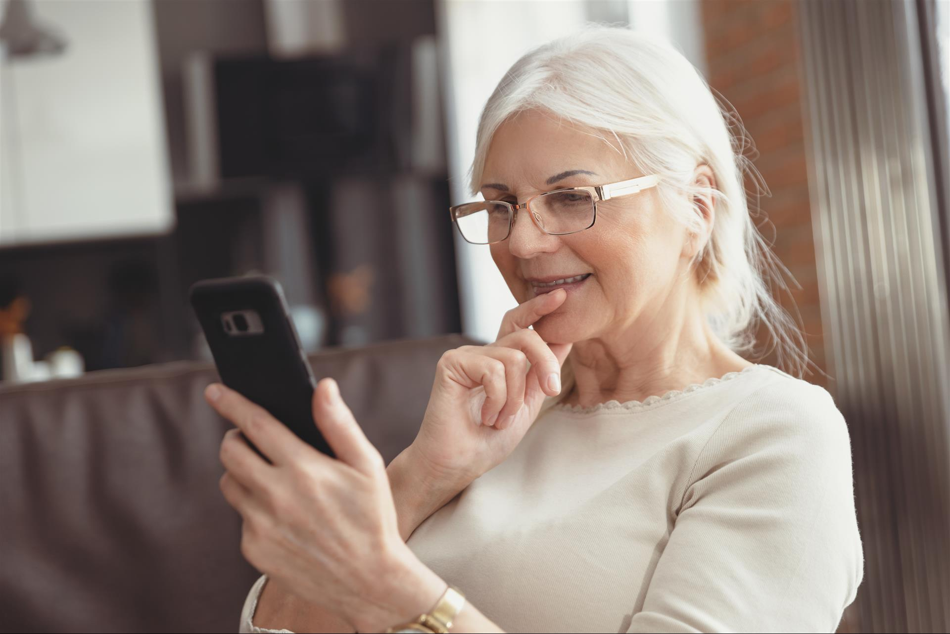 4 SOCIAL MEDIA TIPS FOR CHRISTIAN SENIORS
