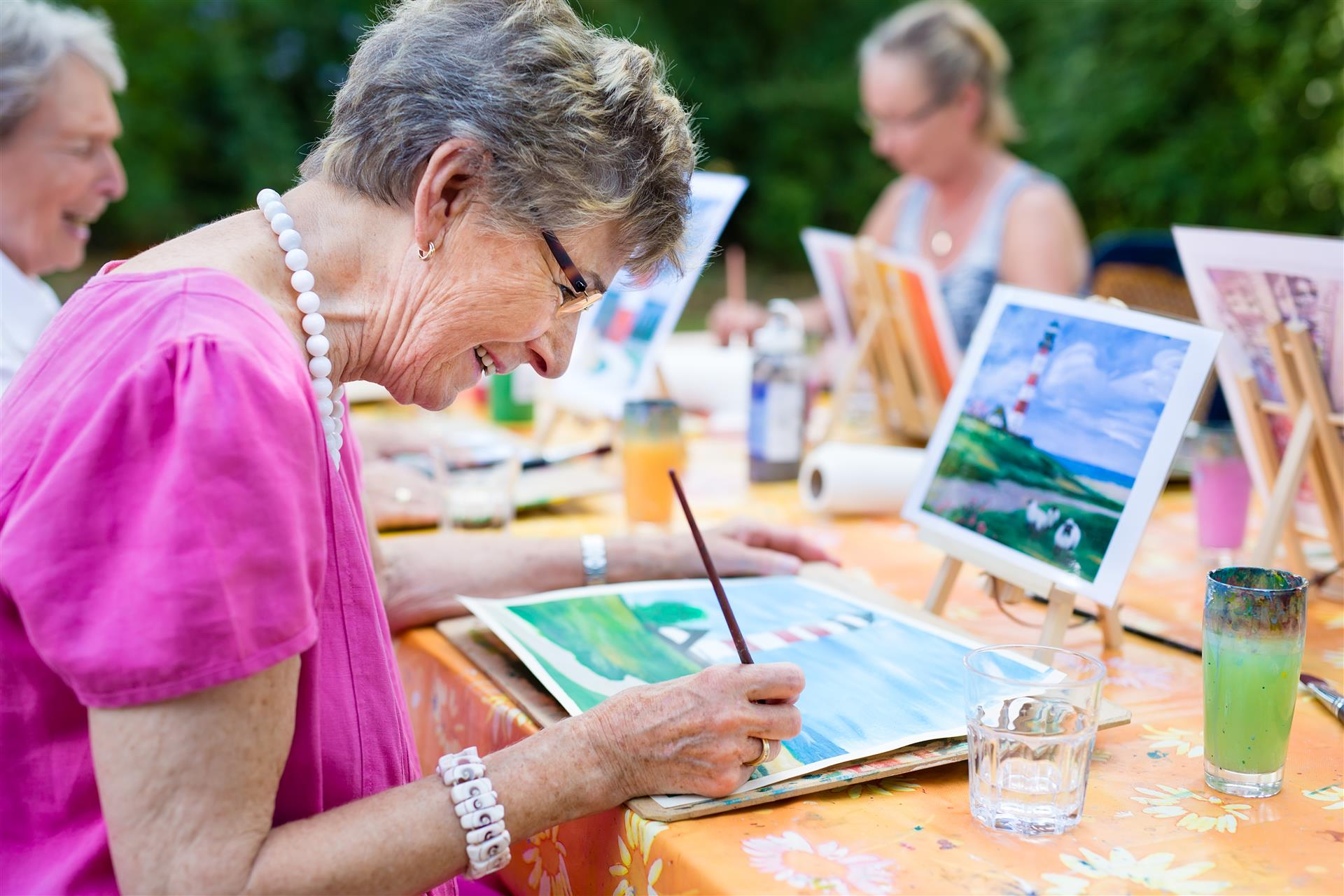 5 FUN INDOOR ASSISTED LIVING COMMUNITY ACTIVITIES FOR COLD DAYS