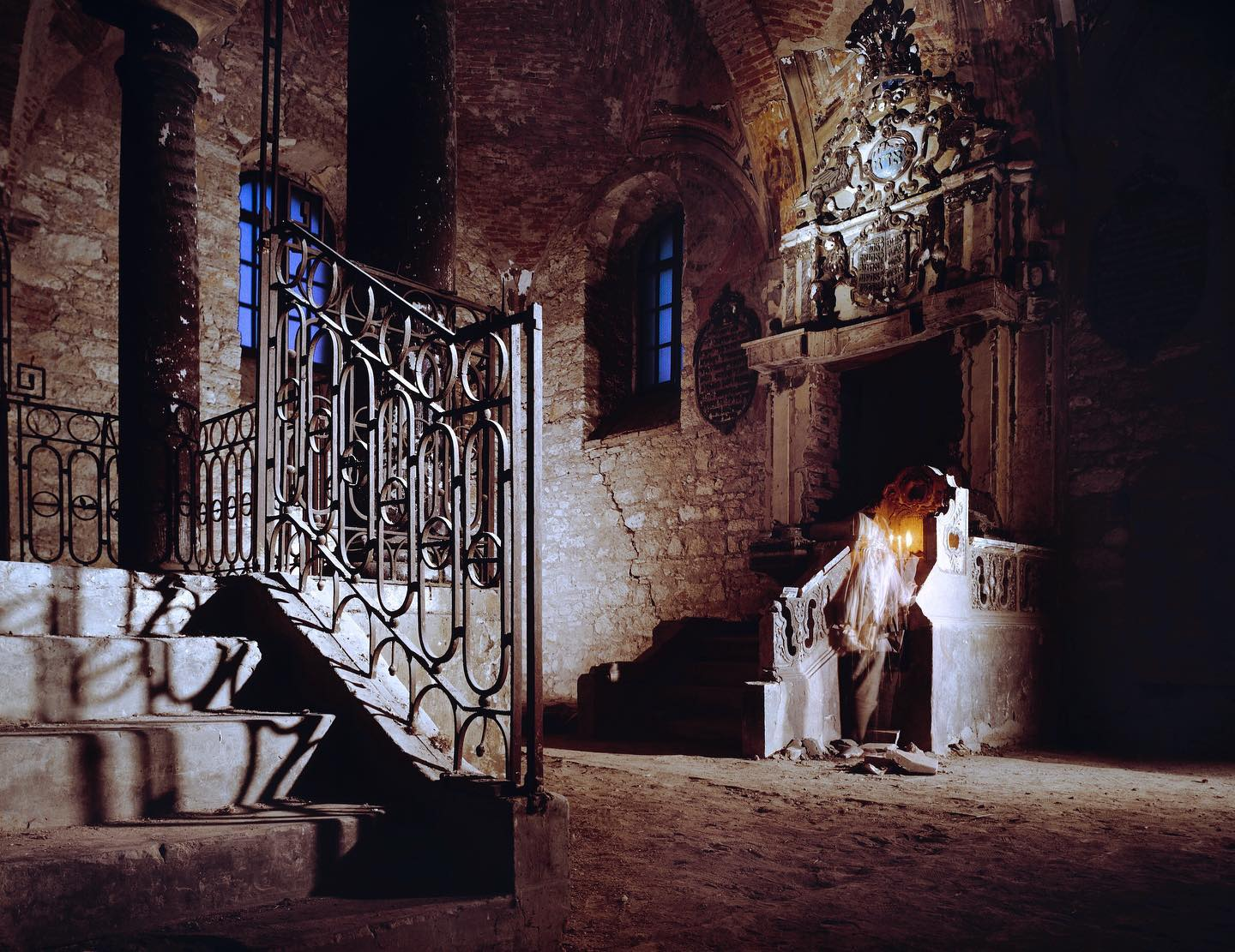 Kehilat HaKodesh, Mád, Hungary, 1995  Neil Folberg, an Israeli-American photographer, traveled around the world capturing the unique synagogues within small Jewish communities. Many of the synagogues are dilapidated and unused due to the absence of Jews as a result of the events of WWII. The ones that are still in use serve as reminders of what little is left of what were once thriving communities.   📷©️Neil Folberg/MUUS Collection  #neilfolberg #synagogue #temple #mad #madhungary #hungary #jewish #jewishcommunity #communitycenter #history #carbonprint #colorphotography #1995 #shul #synagogues #hungarian #photography #photooftheday #picoftheday #photographer #muuscollection #art #artist #documentaryphotography #travel #travelphotography #dilapidated #empty #abandoned #fromthearchives