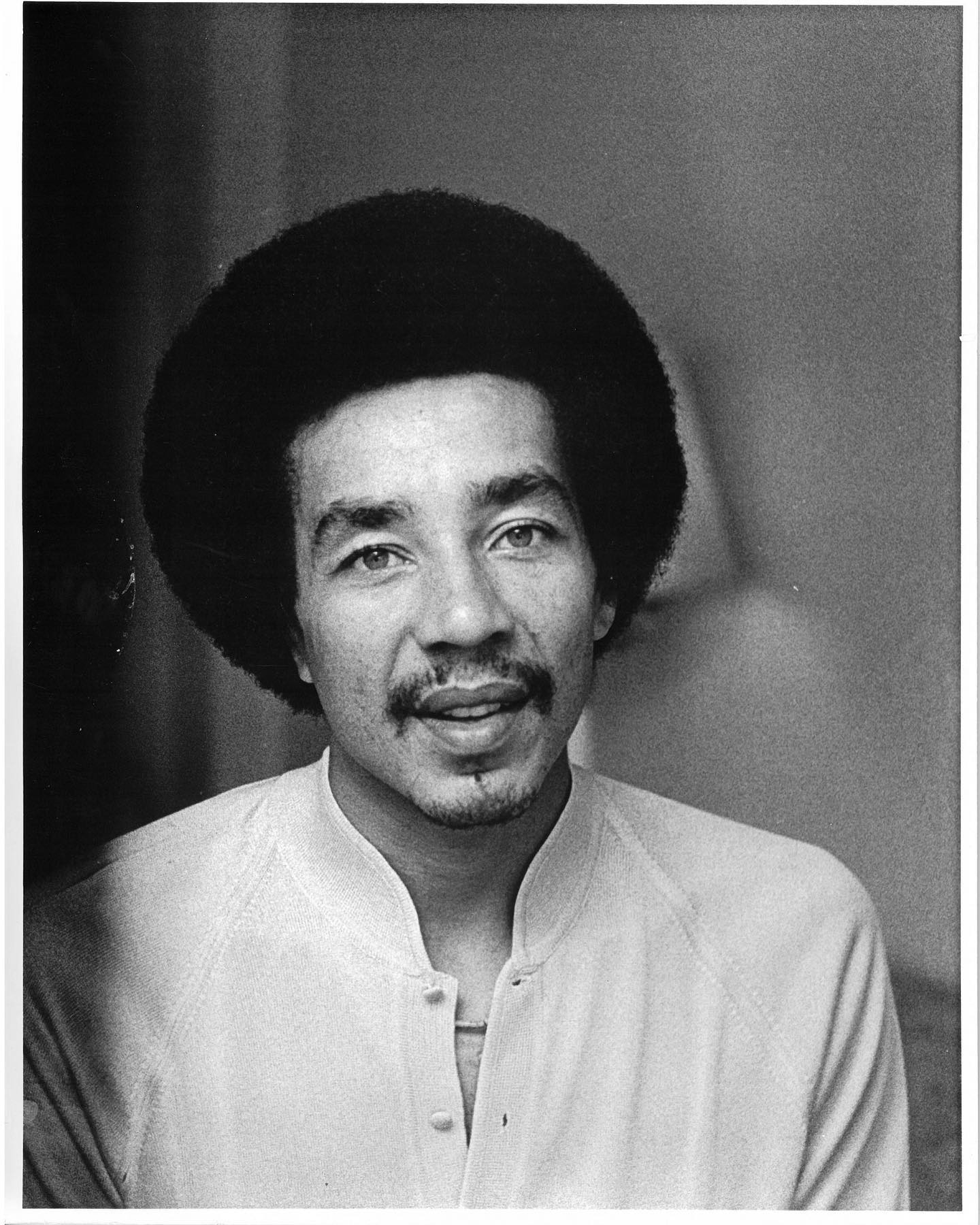 "Happy birthday Smokey Robinson, who was born #onthisday in 1940!   Robinson is known best for being part of the band, ""The Miracles,"" and as a solo artist. In 1955, Robinson and his friends Pete Moore, Ronald White, Bobby Rogers and Claudette Rogers formed a band called ""The Matadors,"" but their name was changed soonafter to ""The Miracles"" before setting out on tour. In 1957, the band met CEO of Motown Records Berry Gordy who offered the band a record contract. The Miracles then became one of the first bands signed to Motown Records. The band was largely successful between 1960 and 1970, and Robinson became one of the most coveted songwriters in th industry. He wrote songs for many artists including Marvin Gaye, Diana Ross, The Supremes and Steve Wonder and eventually became VP of Moton Records until 1988. He later left Moton Records and signed with SBK Records, under which he produced his latest album, ""Smokey and Friends,"" which featured many musicians including Elton John, James Taylor and Linda Ronstadt. Later in his life, he struggled with drug abuse but eventually got clean and went on to write an autobiography. Since then, he has been inducted into the Rock and Roll Hall of Fame, the Songwriter's Hall of Fame and was given a star on the Hollywood Walk of Fame. He was also awarded with the National Medal of Arts, the Heritage Award at the Soul Train Music Awards, has been conferred the degree of Doctor of Music by Howard University and has won multiple Grammy Awards. #BlackHistoryMonth  📷©️Fred W. McDarrah/MUUS Collection   #smokeyrobinson #themiracles #happybirthday #blackhistory #music #musician #portrait #photography #photographer #photooftheday #picoftheday #pictureoftheday #blm #blacklivesmatter #fredmcdarrah #muuscollection #history #americanhistory #howarduniversity #rockandrollhalloffame #soultrainawards #soultrain #lindaronstadt  #jamestaylor #eltonjohn #songwriter #motown #motownrecords"