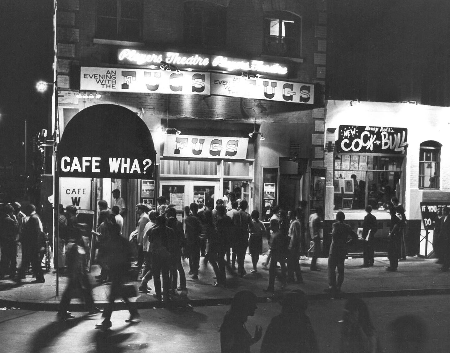More Beats, artists, and musicians at the clubs of 1960s NYC 🏙   The first image shows people waiting outside the Cafe Wha? nightclub (113 MacDougal Street) for a performance by the Fugs, an irreverent underground rock band formed by poets Ed Sanders and Tuli Kupferberg. May 22, 1966  The second image shows the first performance of Bob Dylan performing with Karen Dalton and Fred Neil, at Cafe Wha? February 6, 1961.  © Fred W. McDarrah/MUUS Collection