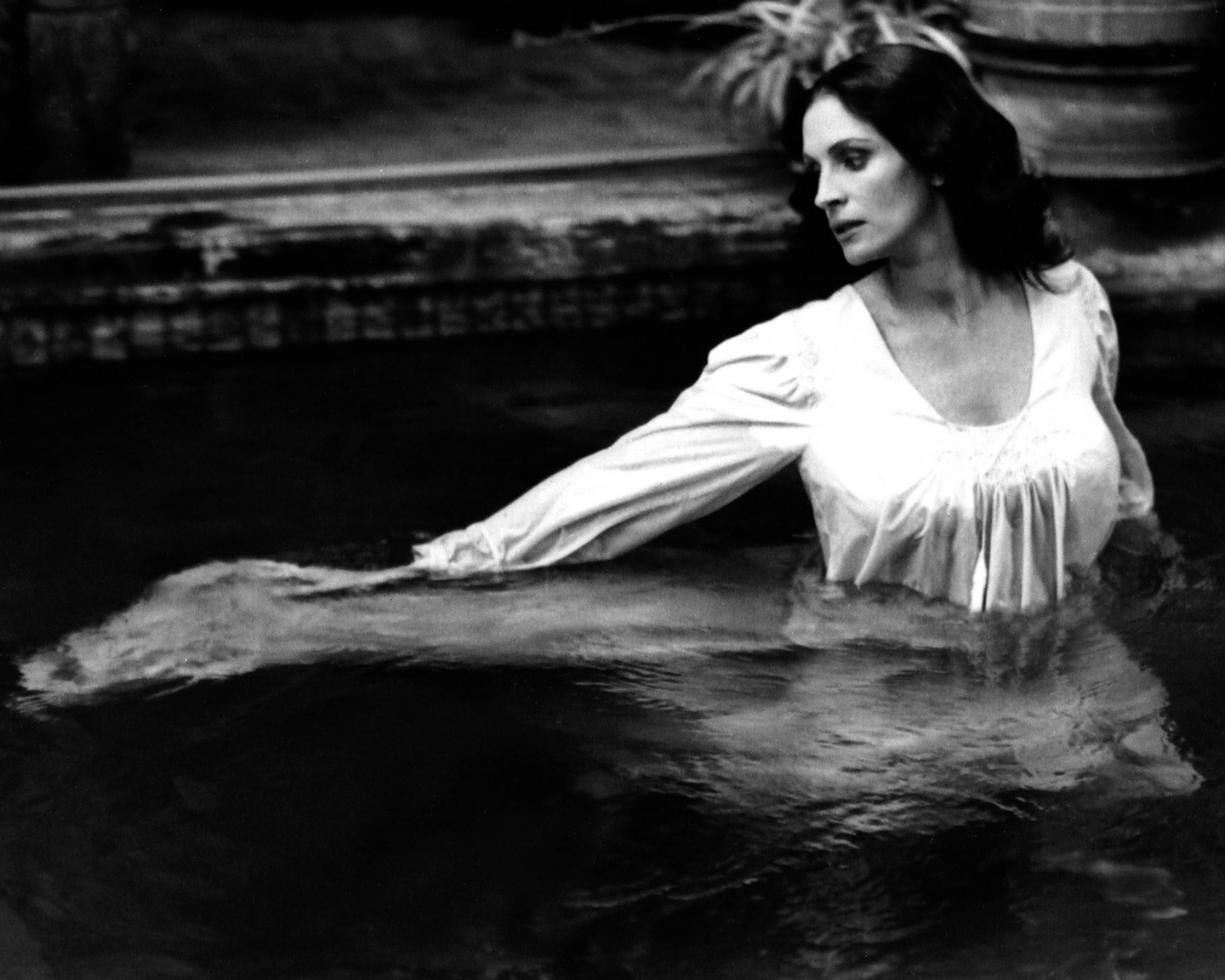 """TGIF! Hoping your weekend is as restful and serene as this Deborah Turbeville photoshoot for the cover story of @nytmag's 2004 Annual Movie Issue.   Under another stunning Turbeville photo, the headline read: """"Can You Imagine Julia Roberts as a Foreign Screen Beauty? (Actually, she's about to become one, sort of.)""""  © Deborah Turbeville/MUUS Collection"""