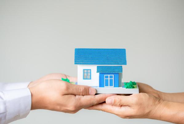 ¿Infonavit o crédito bancario para comprar casa?