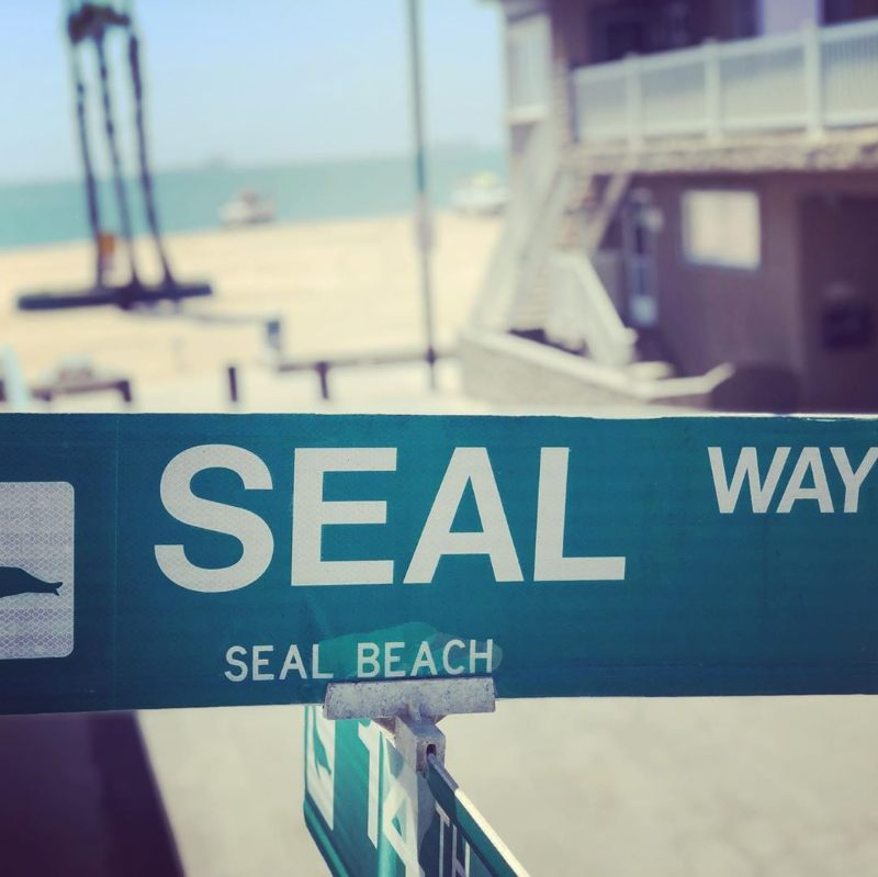 seal way street sign