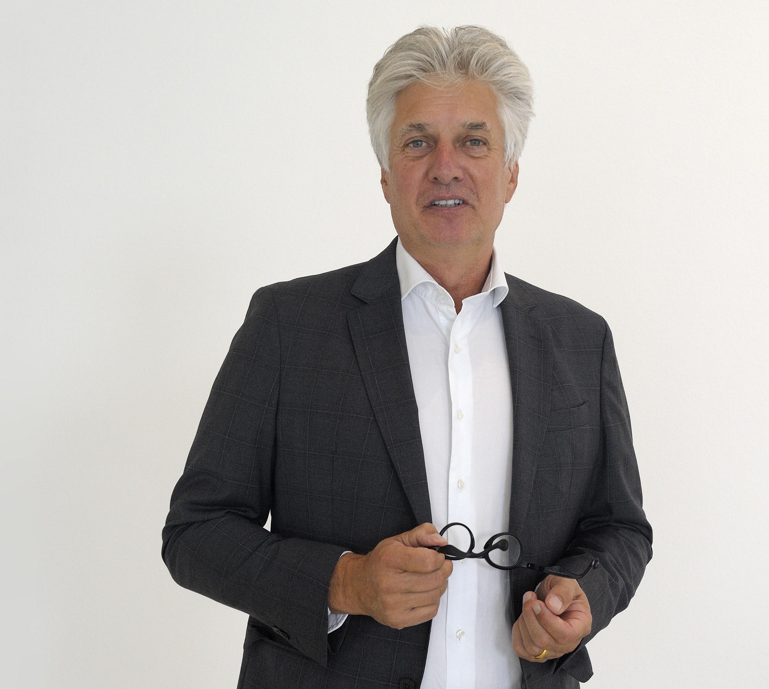 Sven R. Johns